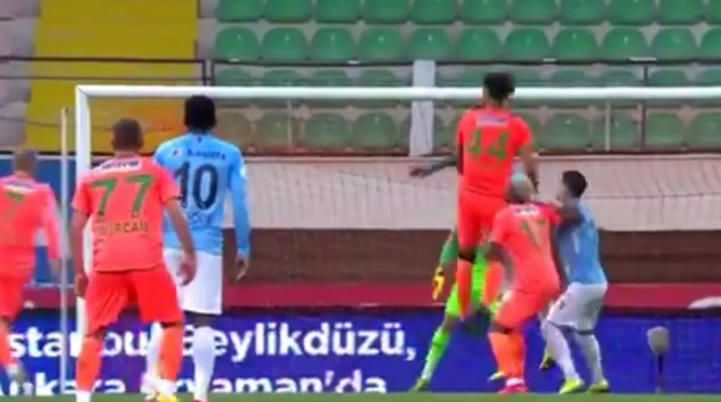 Αγωνίστηκαν στην Τουρκία οι Έλληνες της Αλάνιασπορ! Συνεχίζεται το πρωτάθλημα παρά τον κορονοϊό (video)
