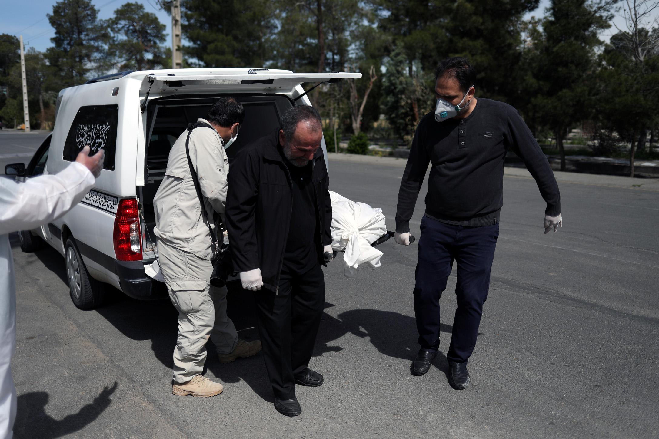Τρόμος στο Ιράν! Προειδοποιεί για δεύτερο κύμα κορονοϊού