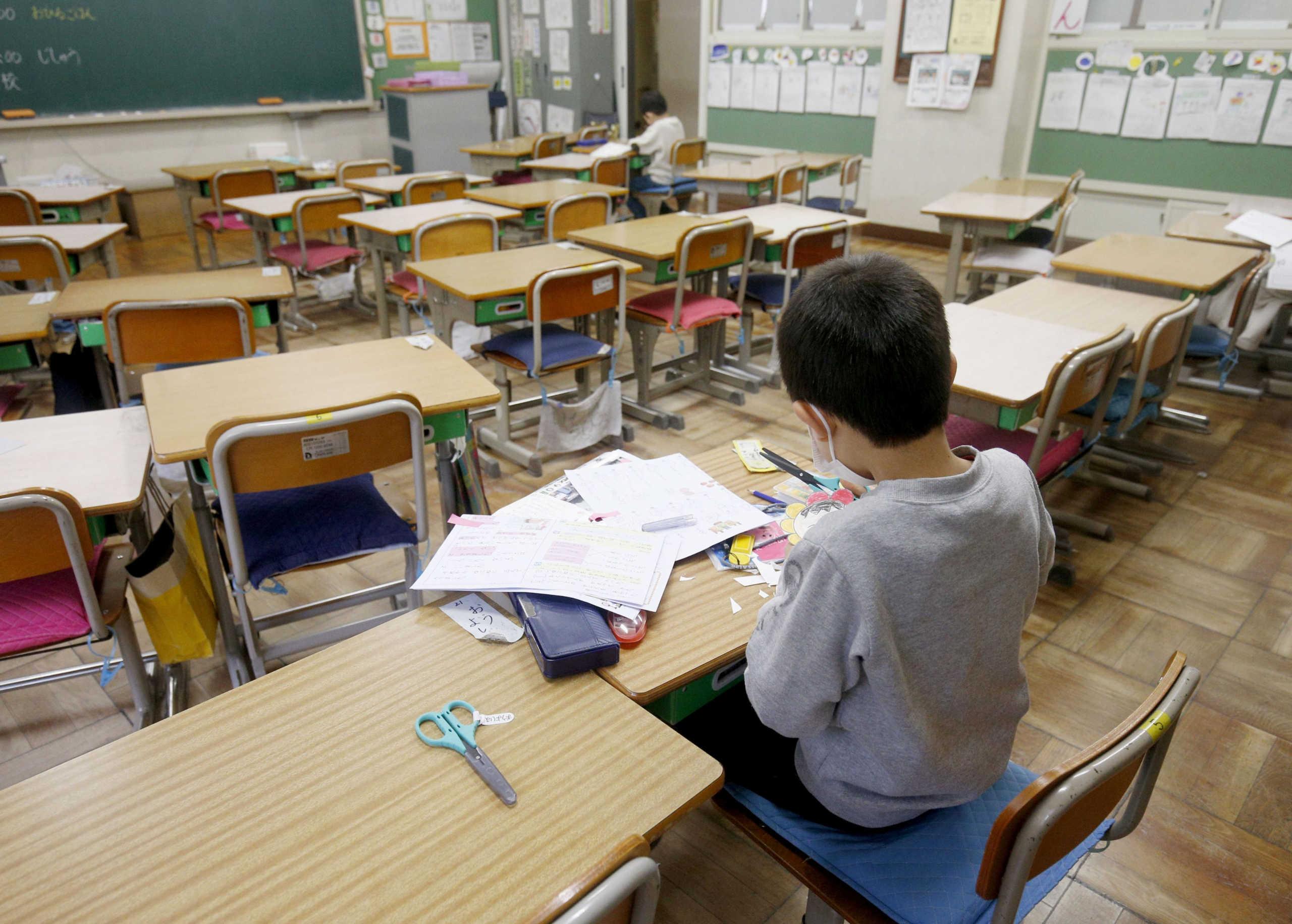 300 εκατομμύρια μαθητές δεν πάνε σχολείο λόγω του κορονοϊού!