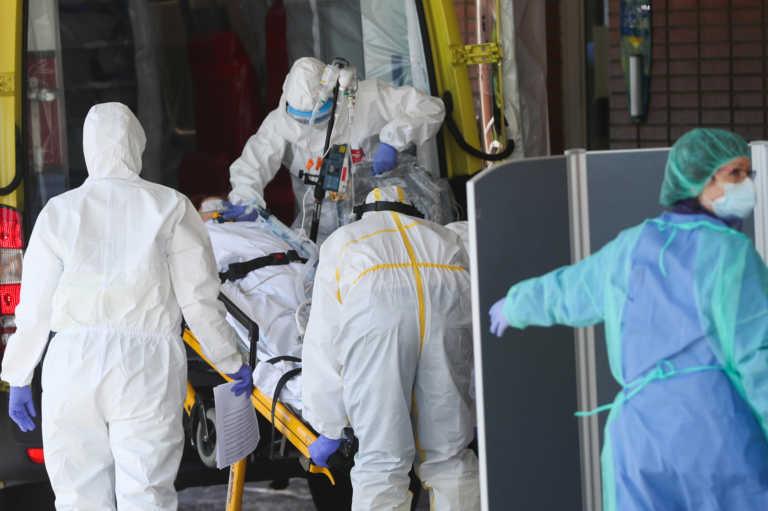 Ανελέητος ο κορονοϊός στην Ισπανία: Νέο αρνητικό ρεκόρ – 44.357 κρούσματα σε 24 ώρες