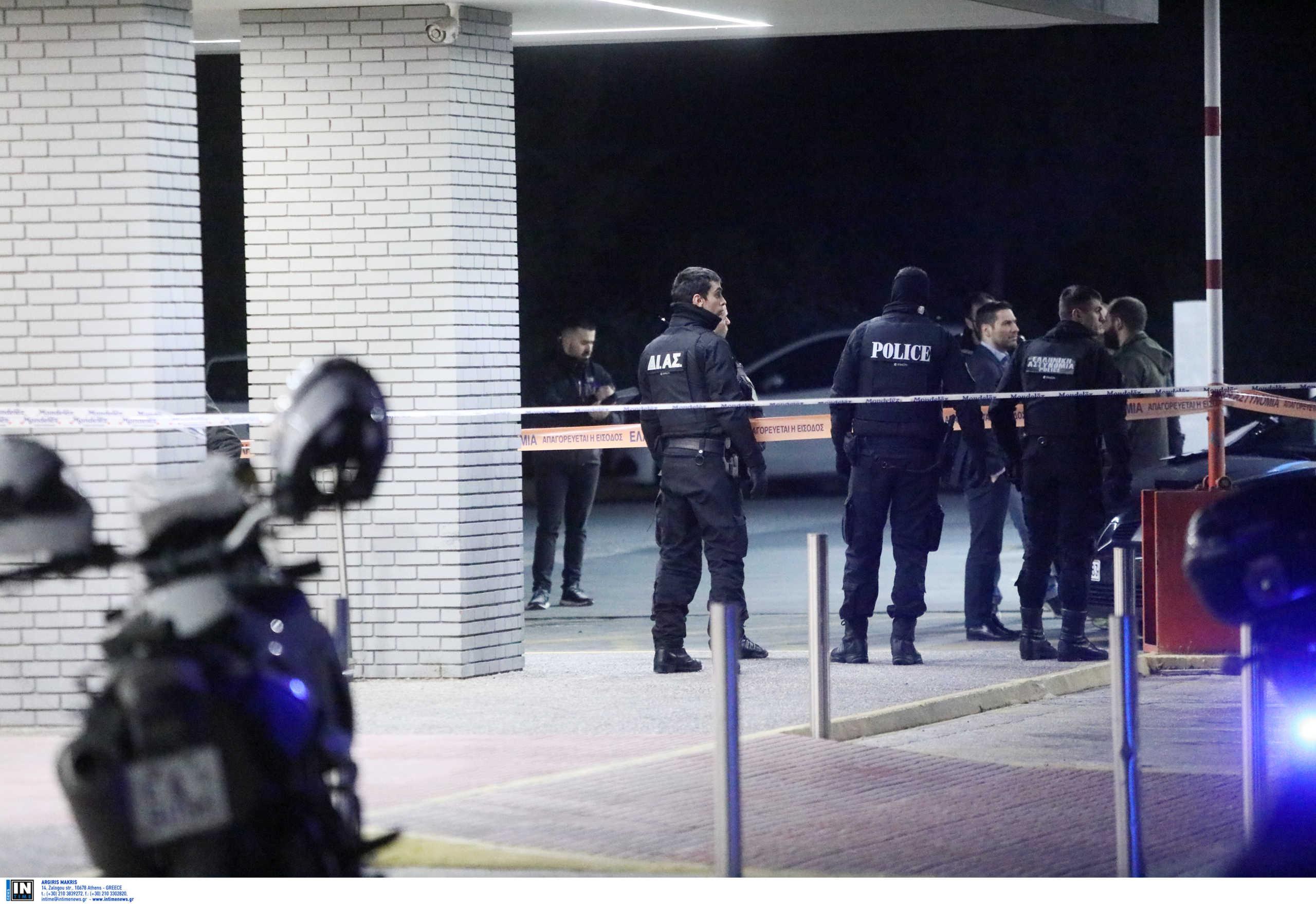 Αστυνομικός εκτέλεσε την πρώην σύζυγό του και μια φίλη της έξω από σούπερ μάρκετ στην Κηφισιά - Τι είπε στους συναδέλφους του που τον συνέλαβαν [pics]
