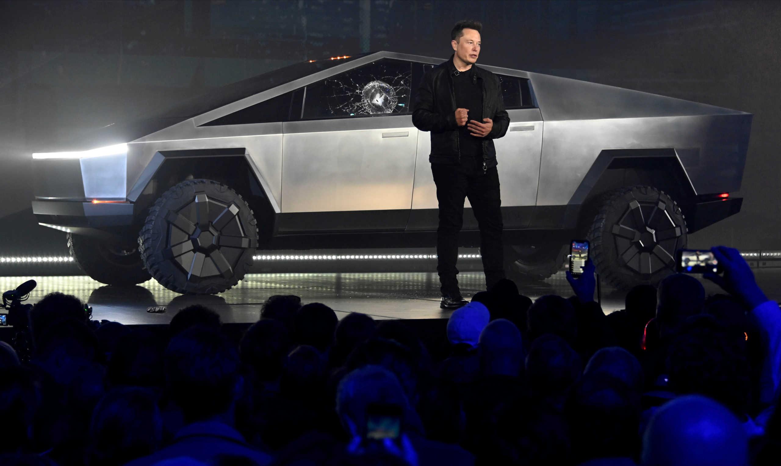 Κορονοϊός: Η εταιρία του επικεφαλής της Tesla, Έλον Μασκ θα κατασκευάσει αναπνευστήρες