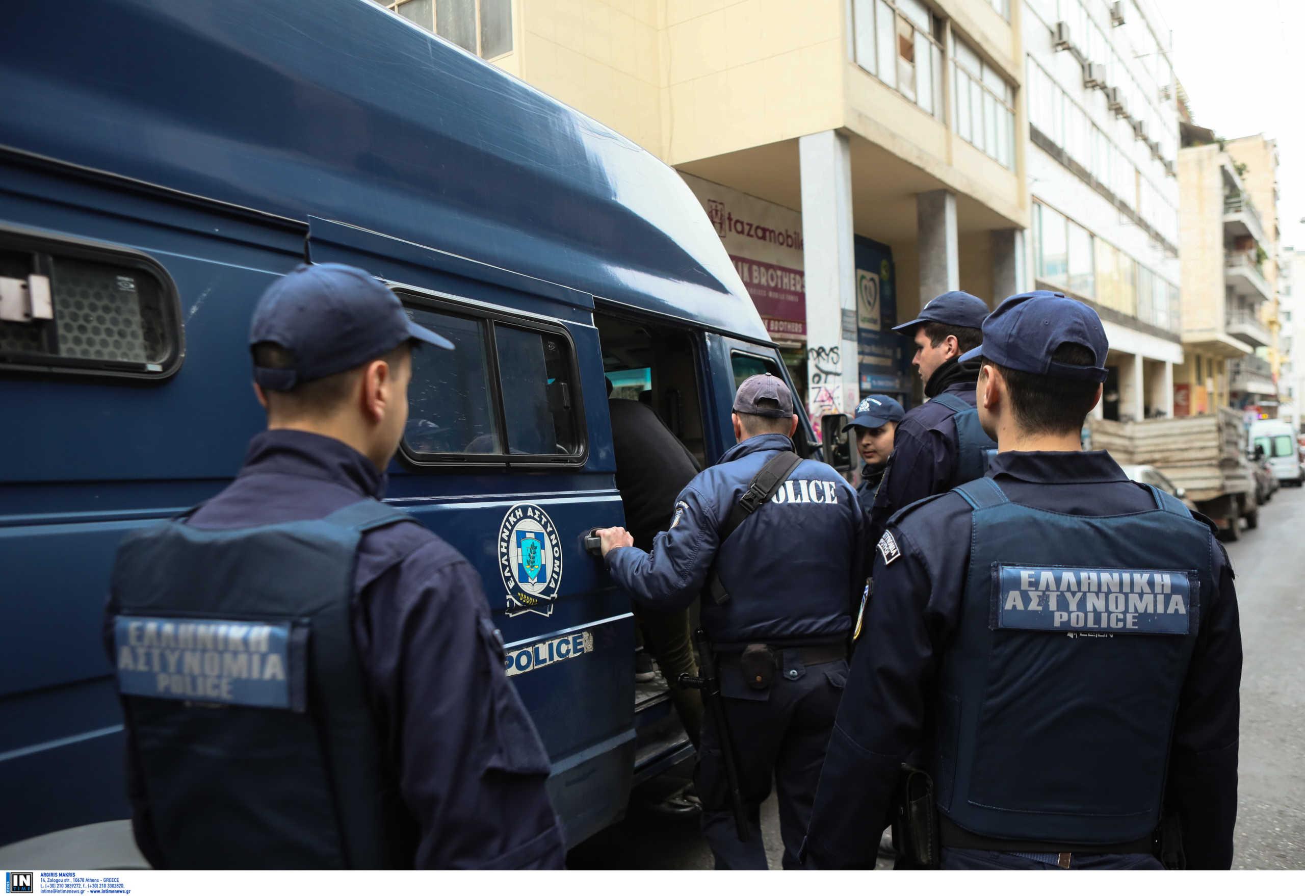 193 συλλήψεις μέσα σε 20 ημέρες από την ΕΛΑΣ στο κέντρο της Αθήνας