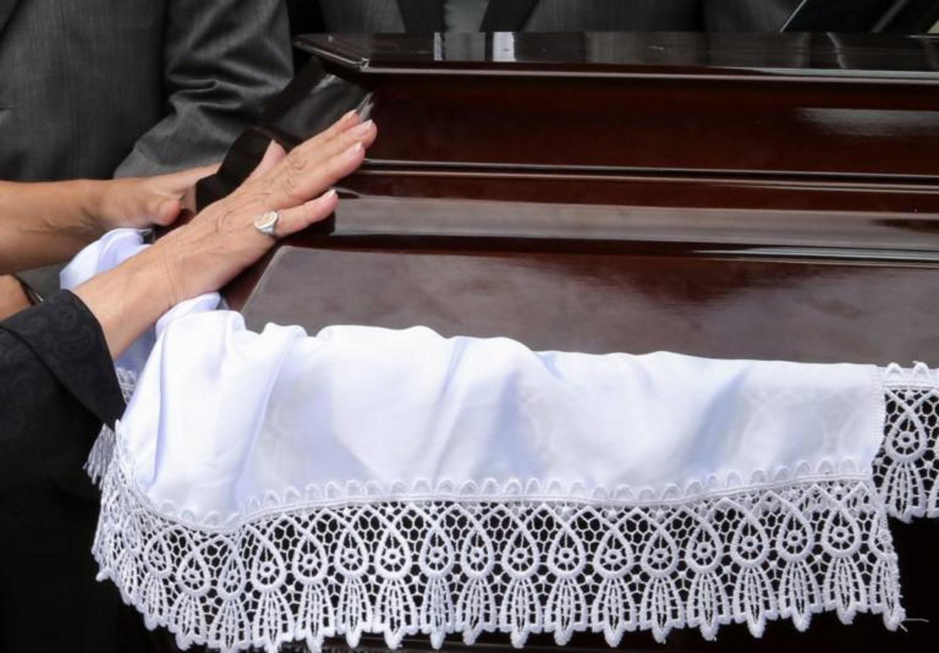 Κρήτη: Τελευταίο αντίο στον πατέρα που βρέθηκε νεκρός στο χωράφι του!