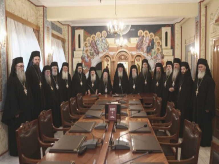 """Η Ιερά Σύνοδος """"αδειάζει"""" τον Αμβρόσιο: Μόνον εμείς μπορούμε να αφορίζουμε"""