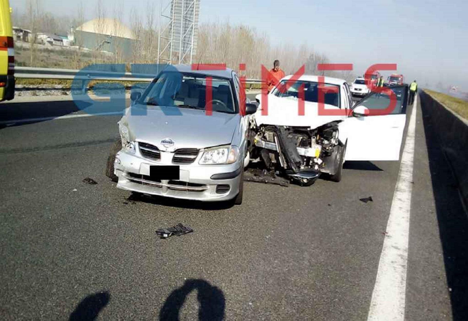 Τρομερή καραμπόλα με πολλά αυτοκίνητα στην Εγνατία - Σοκαριστικές φωτογραφίες!