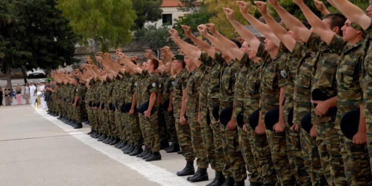 Κορονοϊός: Αναστέλλεται η άδεια ορκωμοσίας των νεοσυλλέκτων στον Στρατό