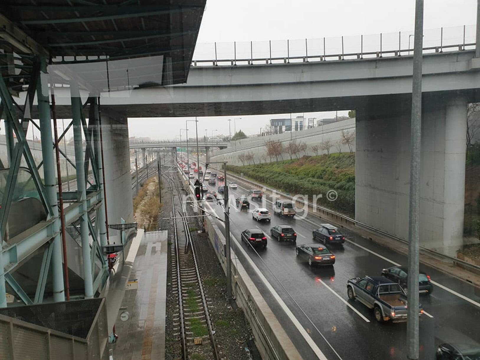 Κίνηση παντού λόγω βροχής! Χάος στους δρόμους
