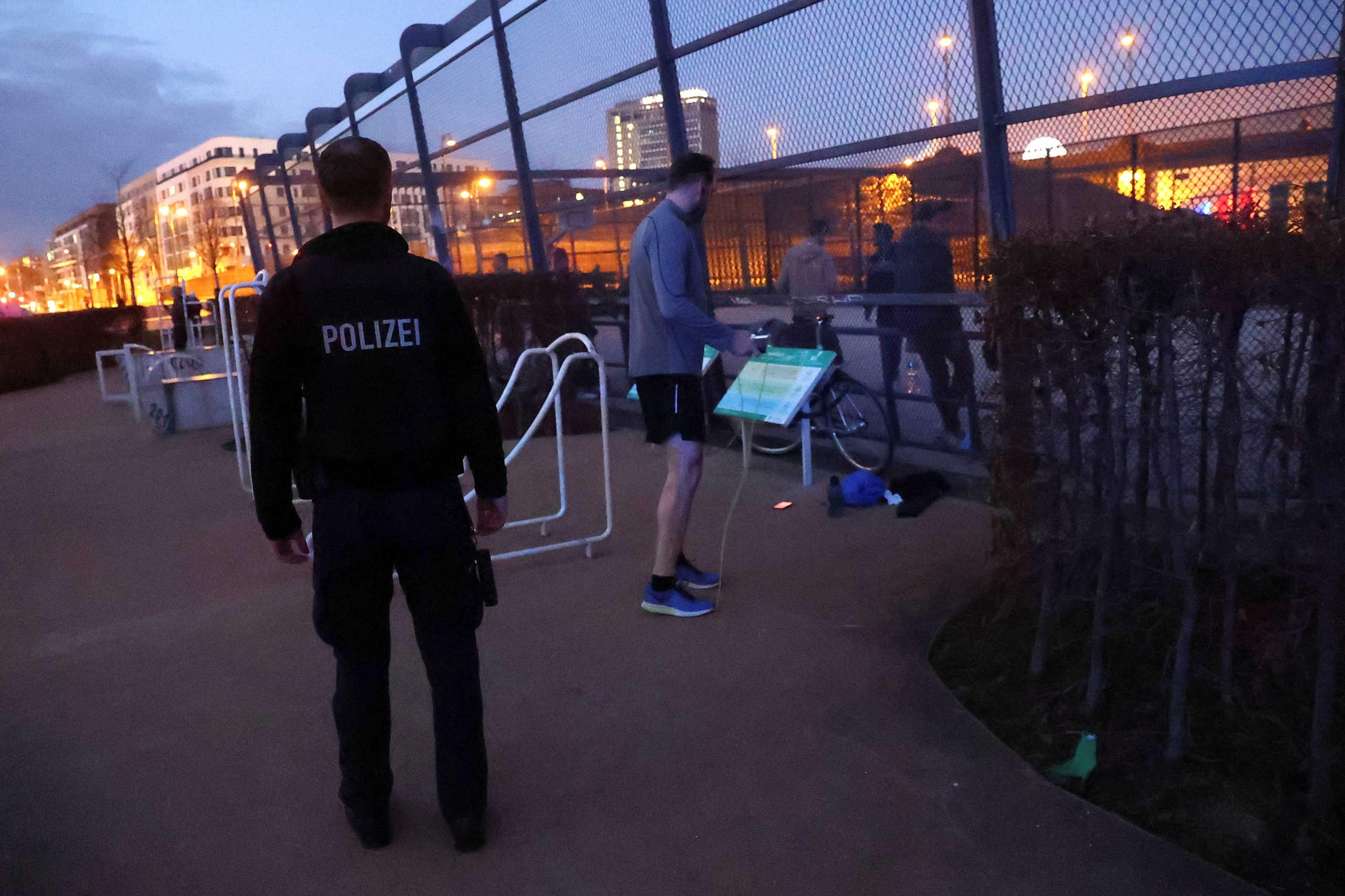 Κορονοϊός: 12.300 κρούσματα στην Γερμανία! 28 νεκροί (pics)