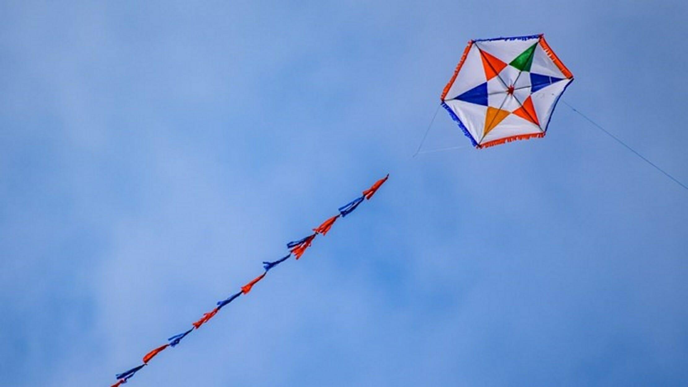 Καθαρά Δευτέρα: Φτερούγισαν ψηλά οι χαρταετοί στα Τρίκαλα