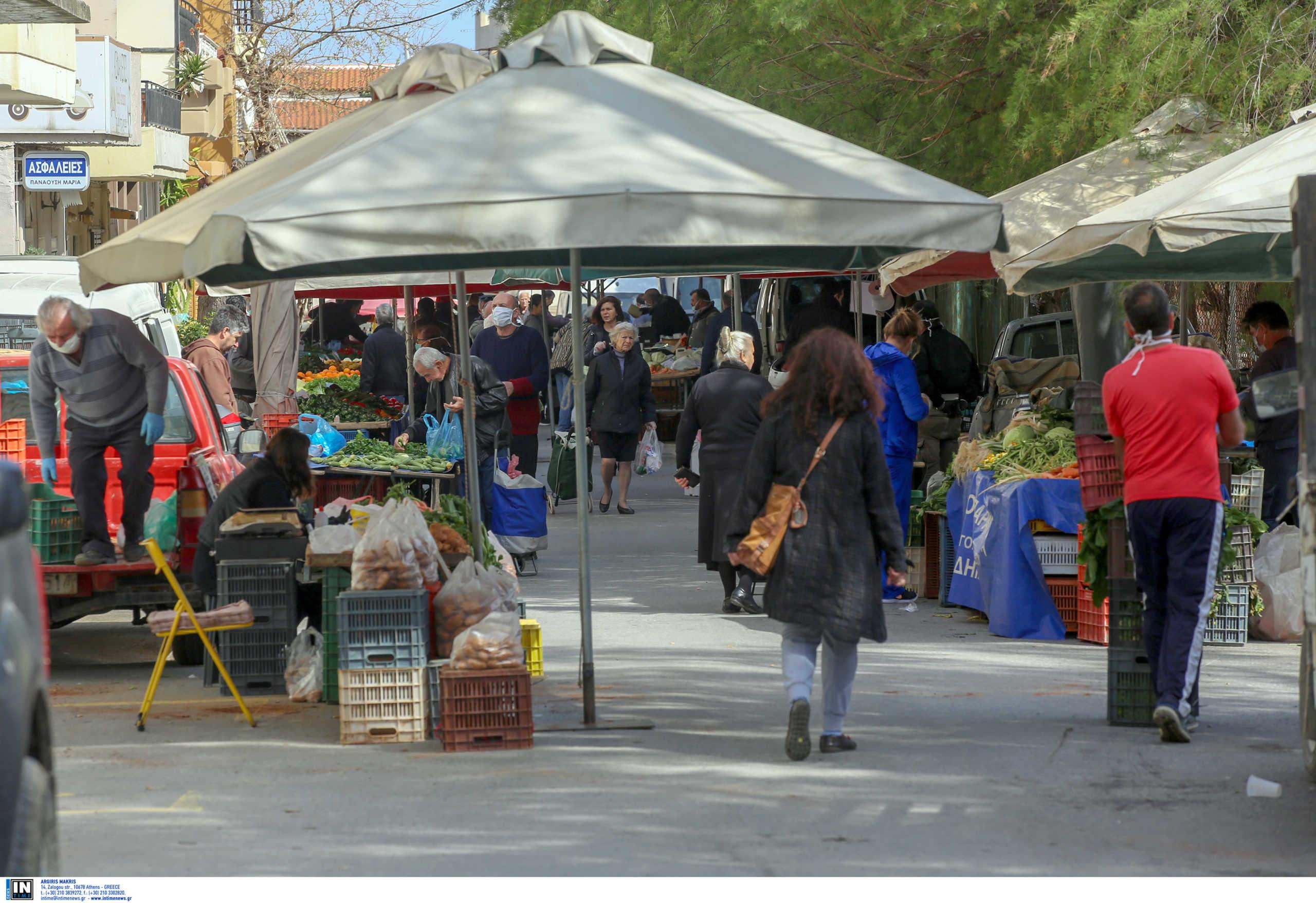 """Λαϊκές αγορές: """"Αν χρειαστεί, θα σταματήσει η λειτουργία τους"""""""
