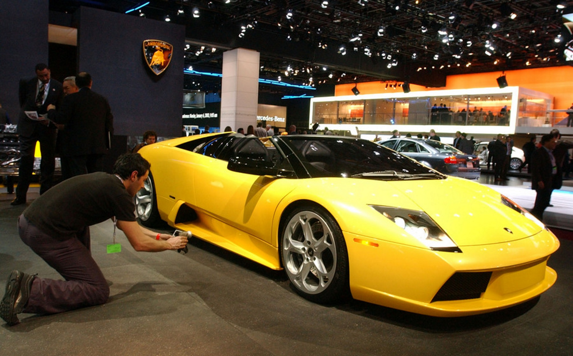 Ούτε η Lamborghini δεν γλιτώνει! Κλείνει το ιστορικό εργοστάσιο λόγω κορονοϊού
