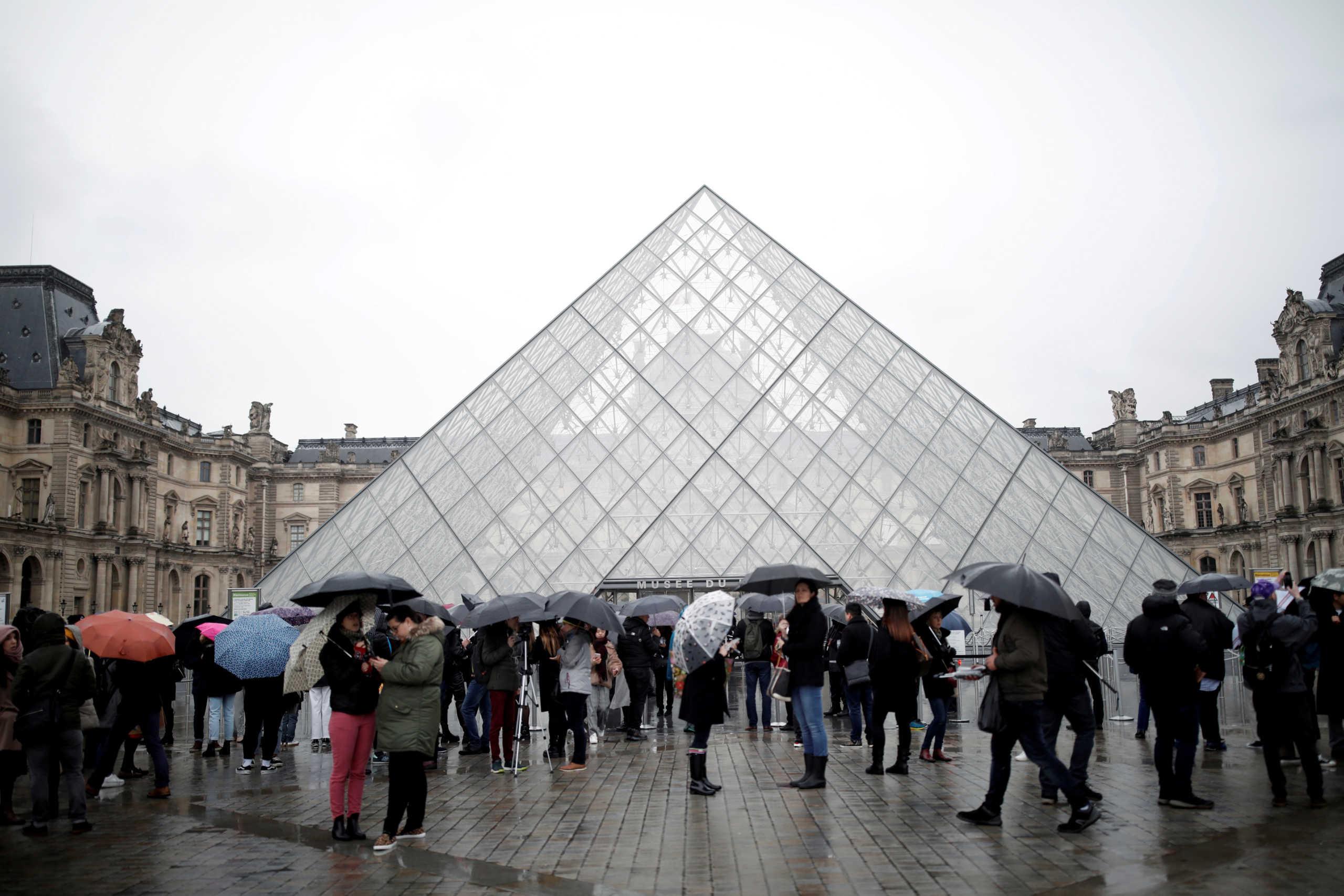 Κορονοϊός: Κλείνει μέχρι νεοτέρας και το μουσείο του Λούβρου