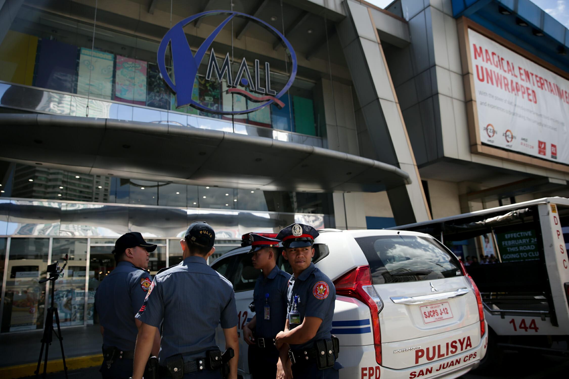 Αγωνία στις Φιλιππίνες! Συνεχείς οι διαπραγματεύσεις για να λήξει η ομηρία σε εμπορικό κέντρο