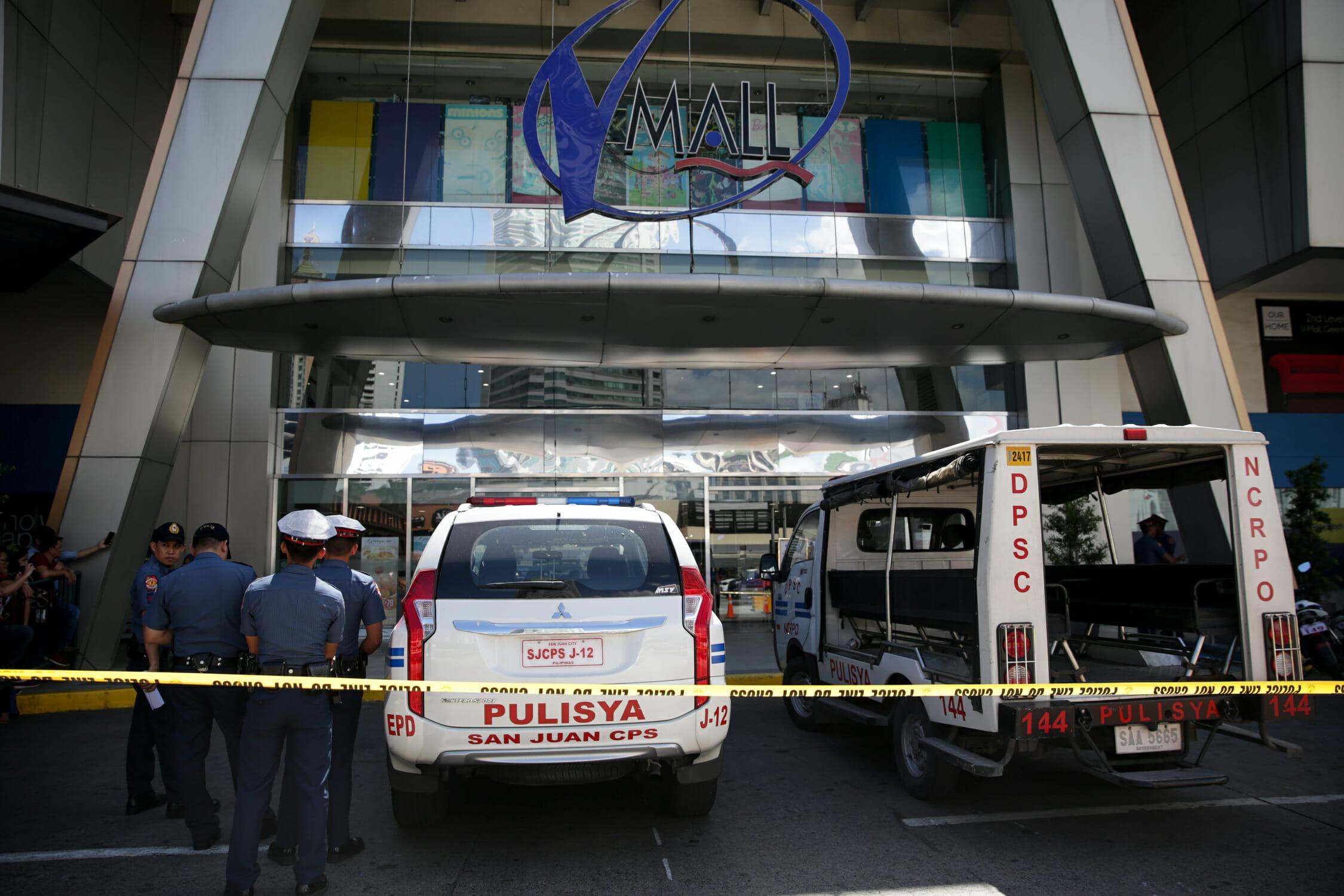 Πυροβολισμοί σε εμπορικό κέντρο στη Μανίλα! Ένοπλος κρατά 30 ομήρους
