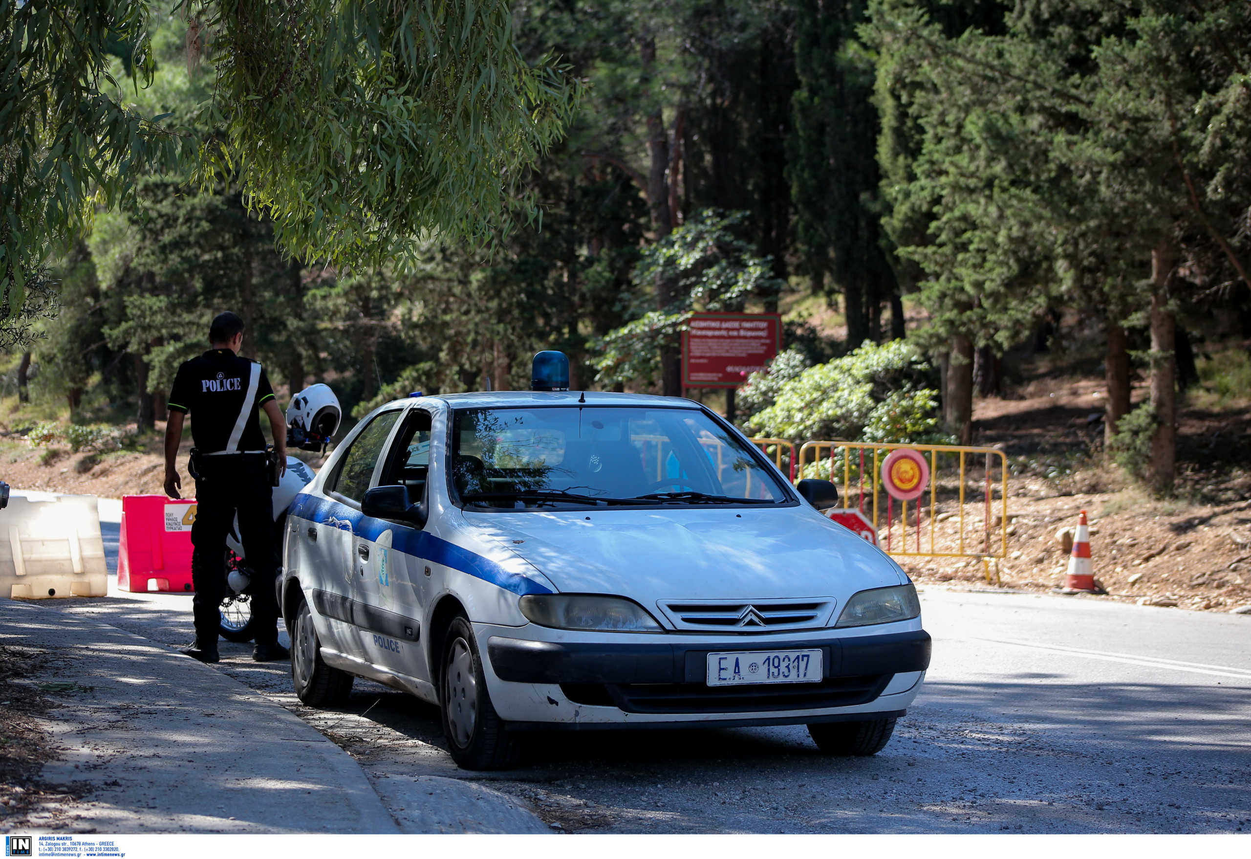 Κρήτη: Έπεσε νεκρός στο χωράφι του! Στο σημείο ασθενοφόρο και αστυνομικοί
