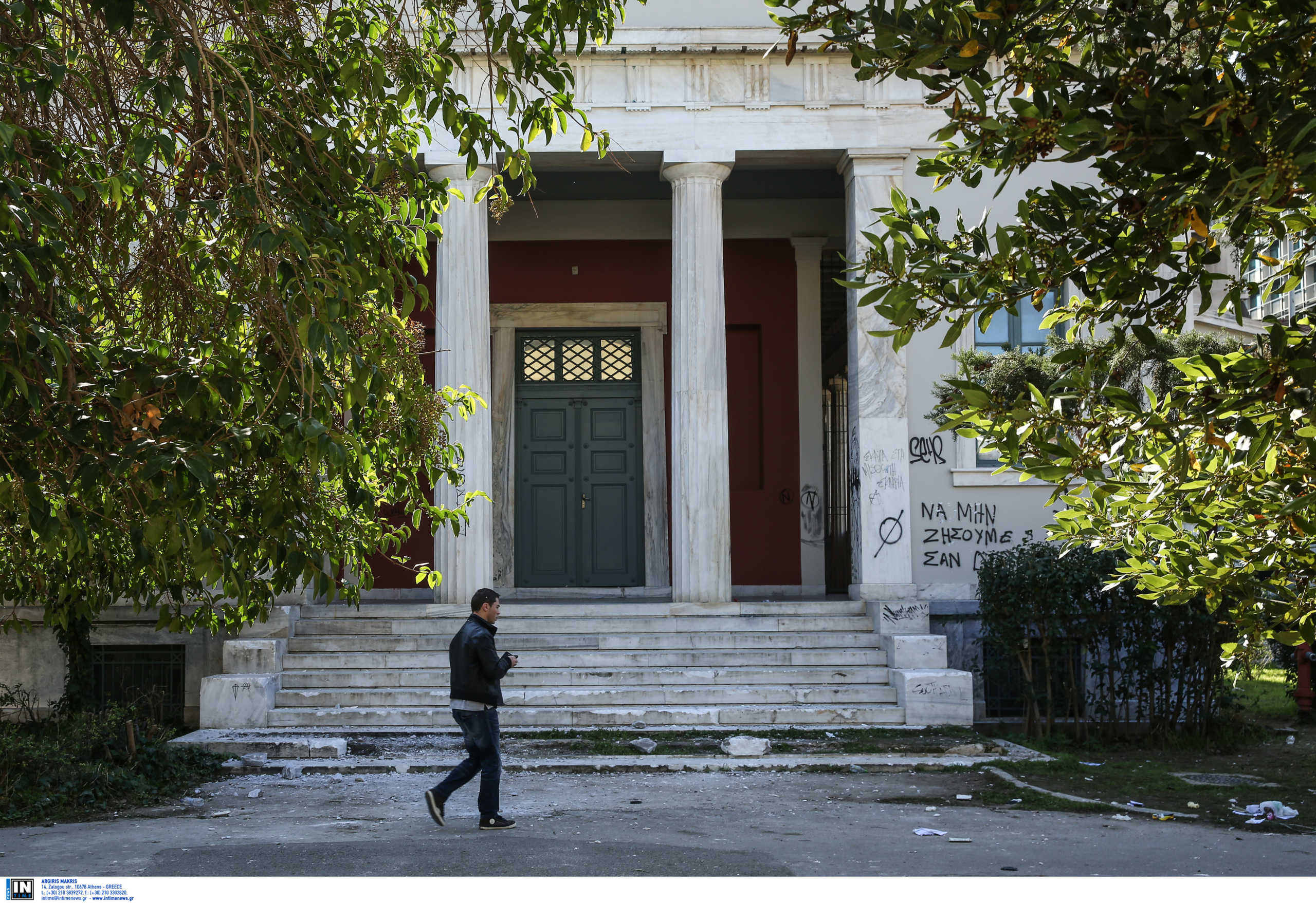Πολυτεχνείο: Εκκένωσε κτίριο με δεκάδες μετανάστες η ΕΛΑΣ