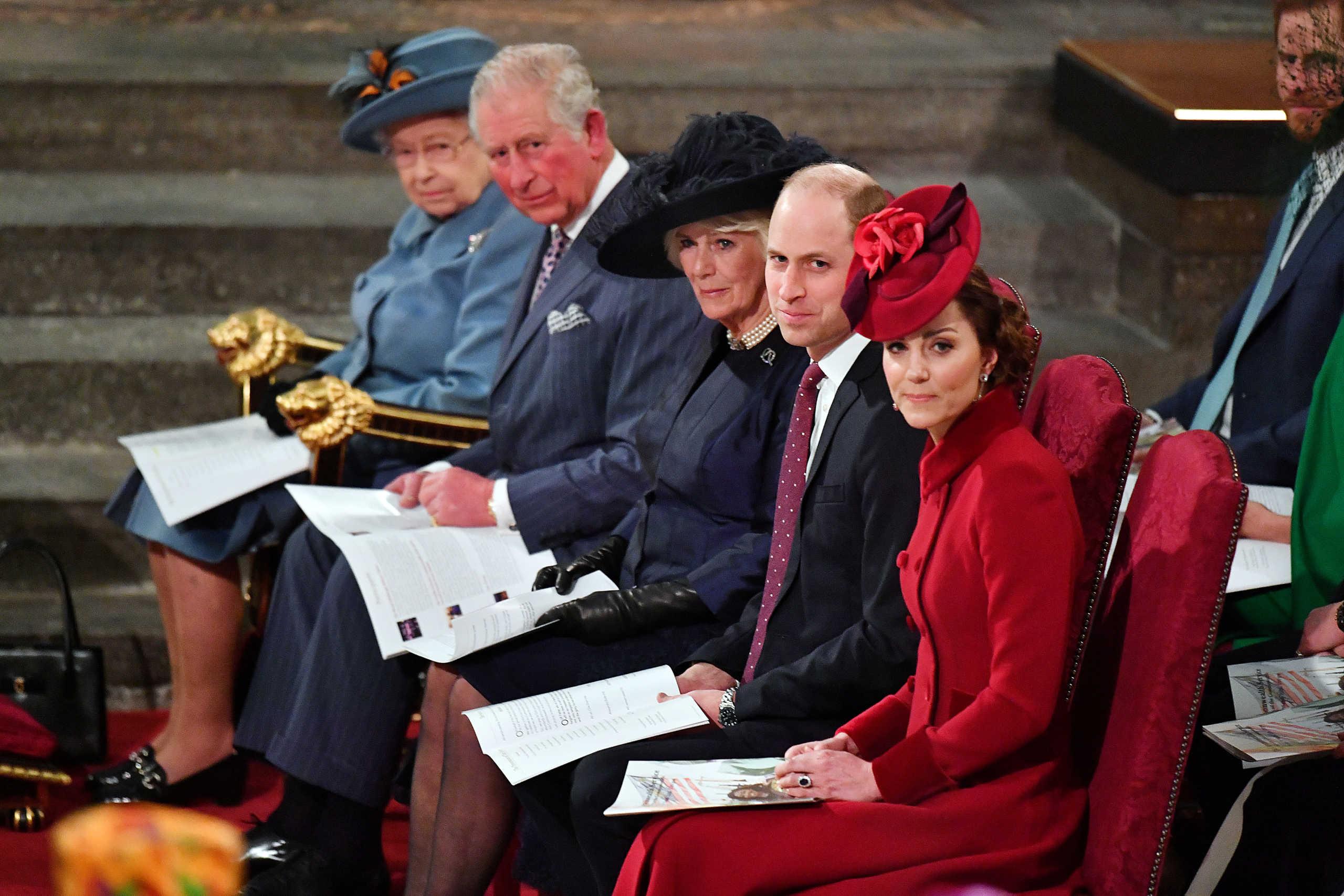 Θετικός στον κορονοϊό ο Πρίγκιπας Κάρολος και αγωνία για την Βασίλισσα