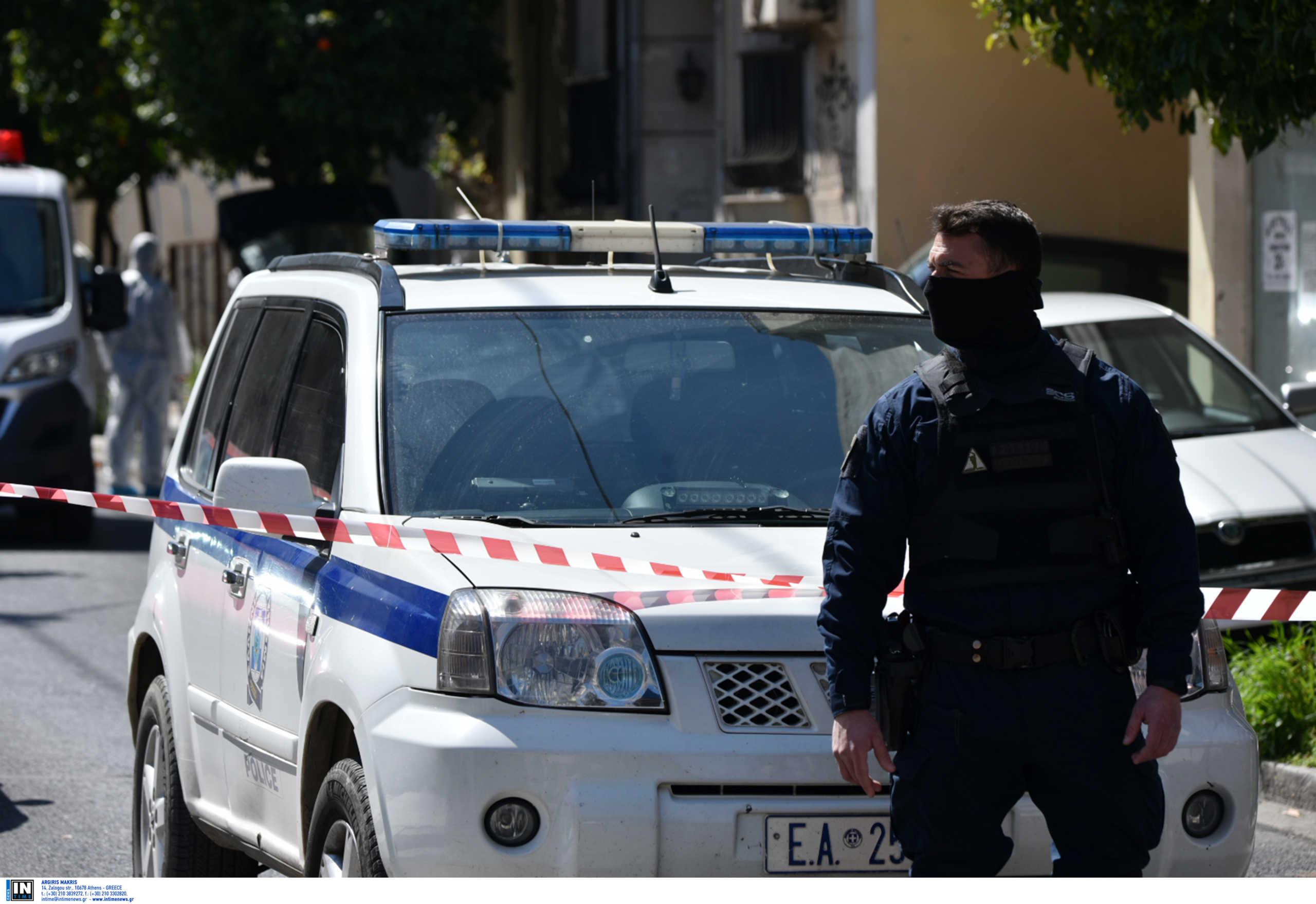 Επιχείρηση της Αντιτρομοκρατικής σε διαμέρισμα στα Εξάρχεια με μια σύλληψη