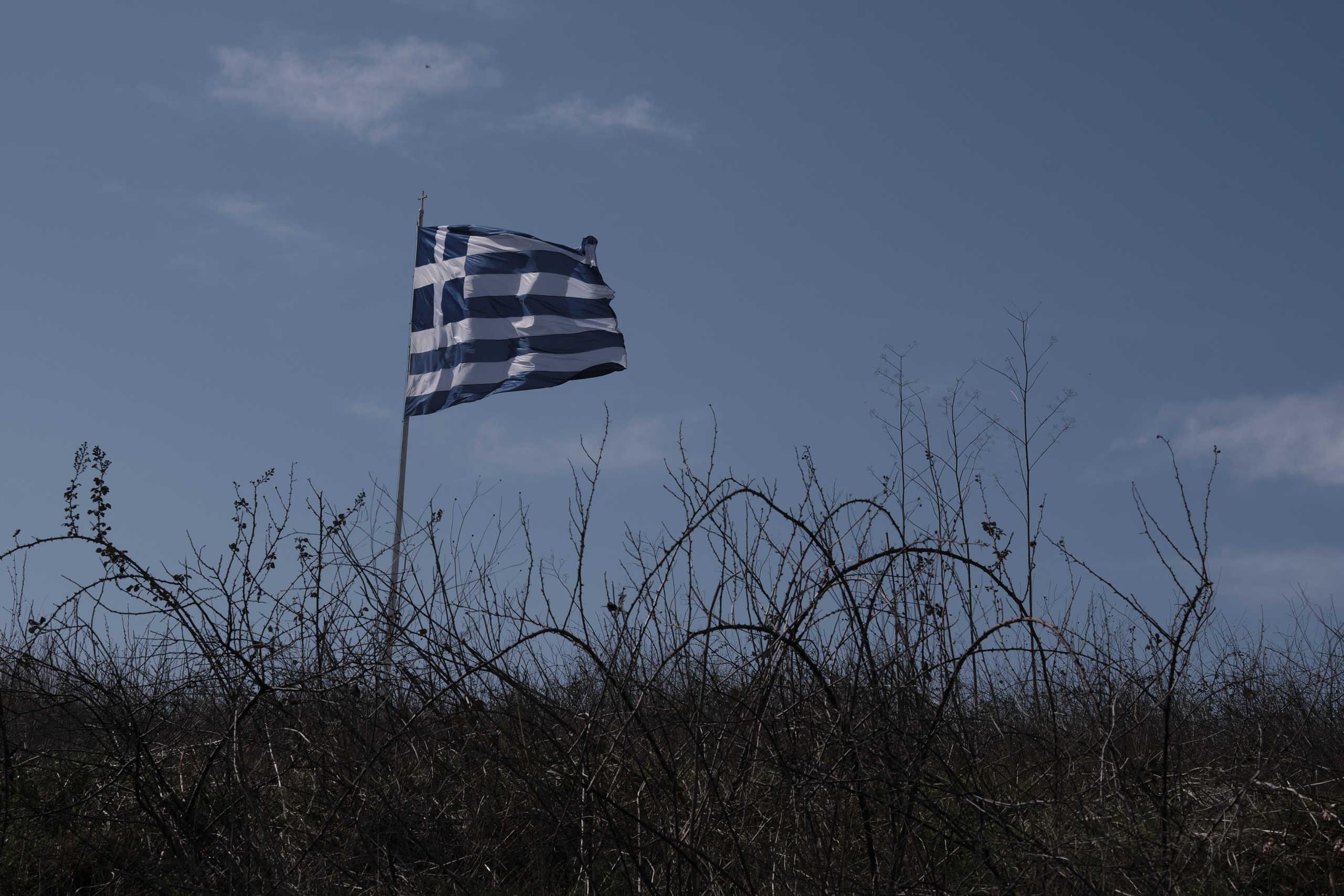 25η Μαρτίου: Τιμές στην ελληνική σημαία στις Καστανιές του Έβρου! Το πέρασμα από F 16 (Βίντεο)