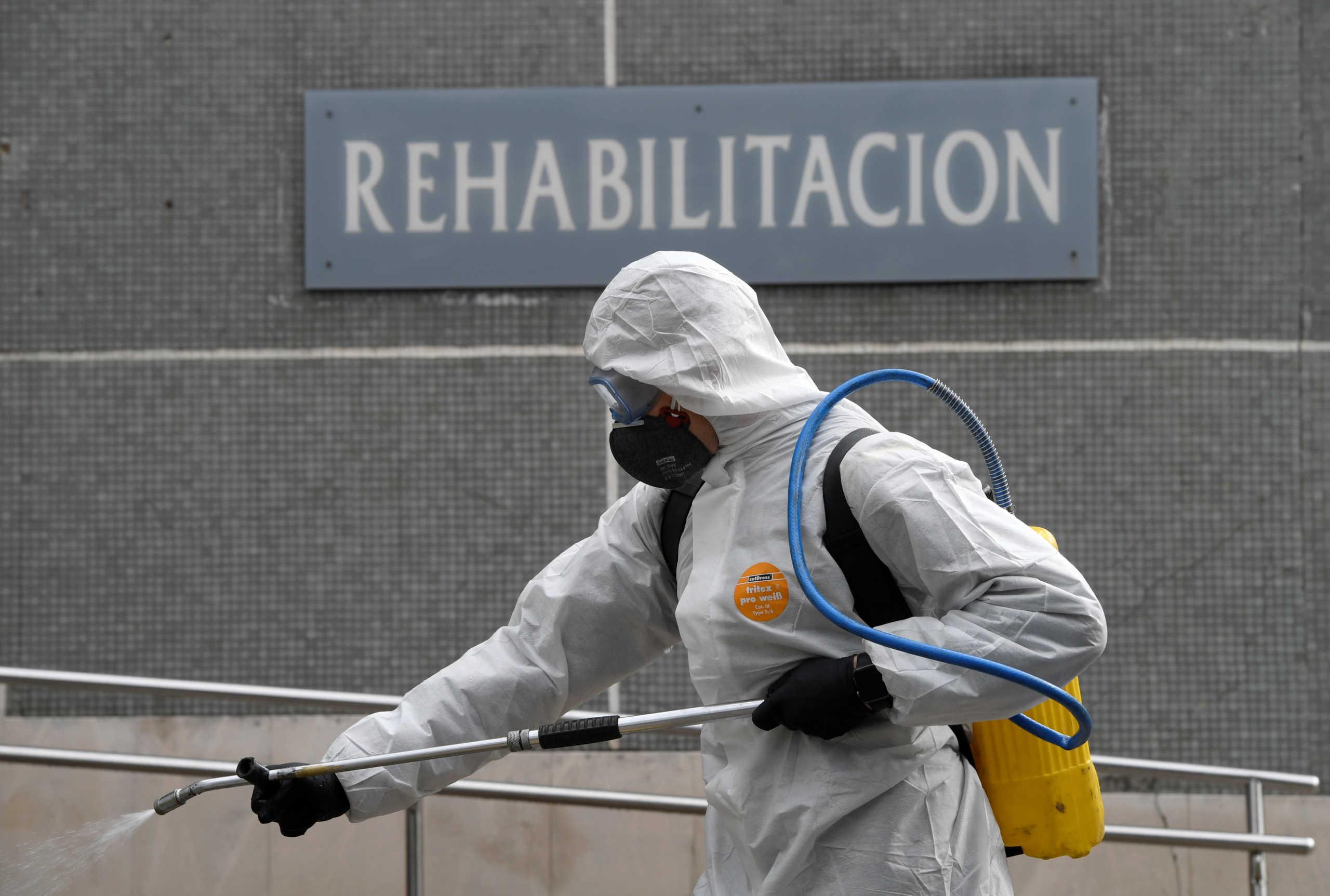 Ξεπέρασαν τους 2.000 οι νεκροί από τον κορονοϊό στην Ισπανία! Video σοκ μέσα από νοσοκομείο!