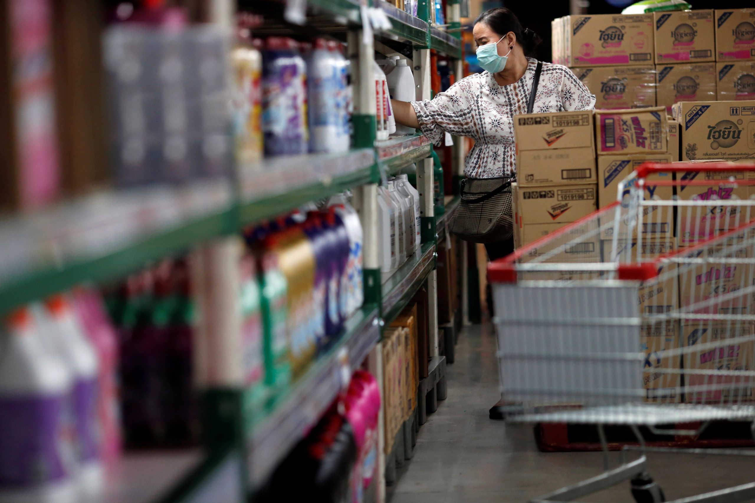 Κορονοϊός: Αυξήθηκαν οι πωλήσεις τροφίμων πριν από το νέο lockdown στη Βρετανία