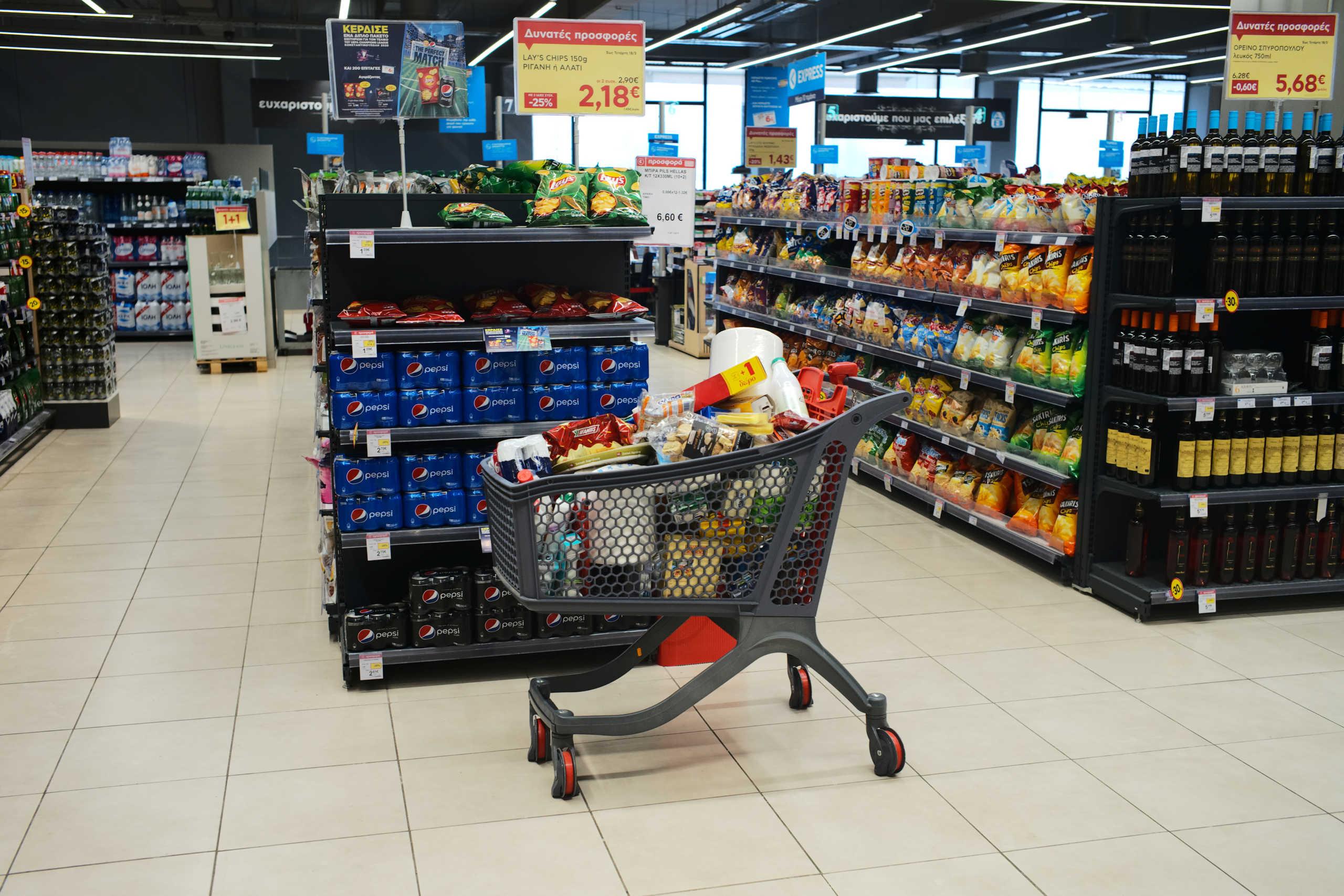 Σούπερ μάρκετ: Αστρονομικές εισπράξεις τις 11 εβδομάδες του κορονοϊού – 694,5% πάνω οι πωλήσεις αντισηπτικών τζελ