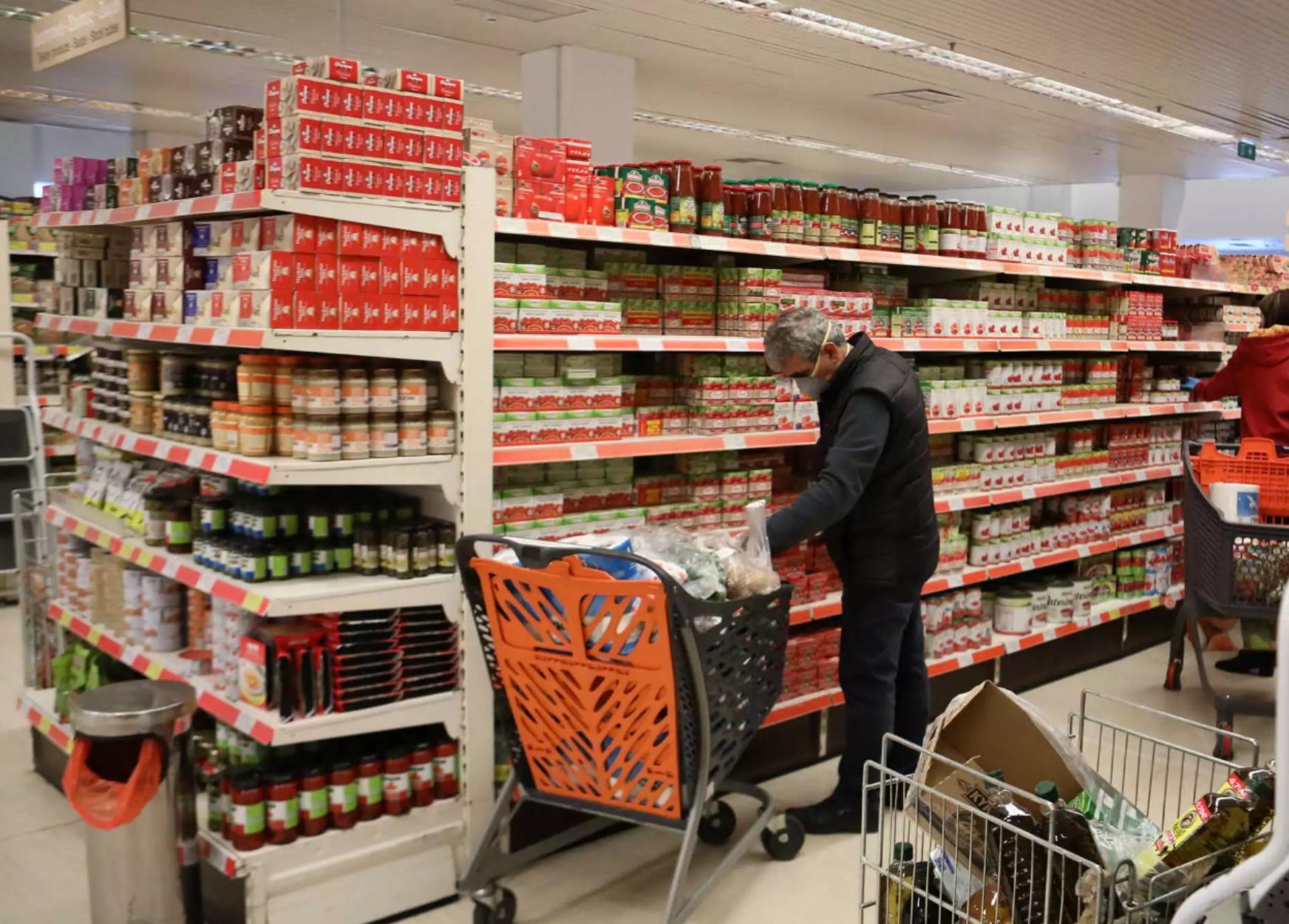 Ωράριο λειτουργίας σούπερ μάρκετ και καταστημάτων σήμερα και την Παραμονή Πρωτοχρονιάς