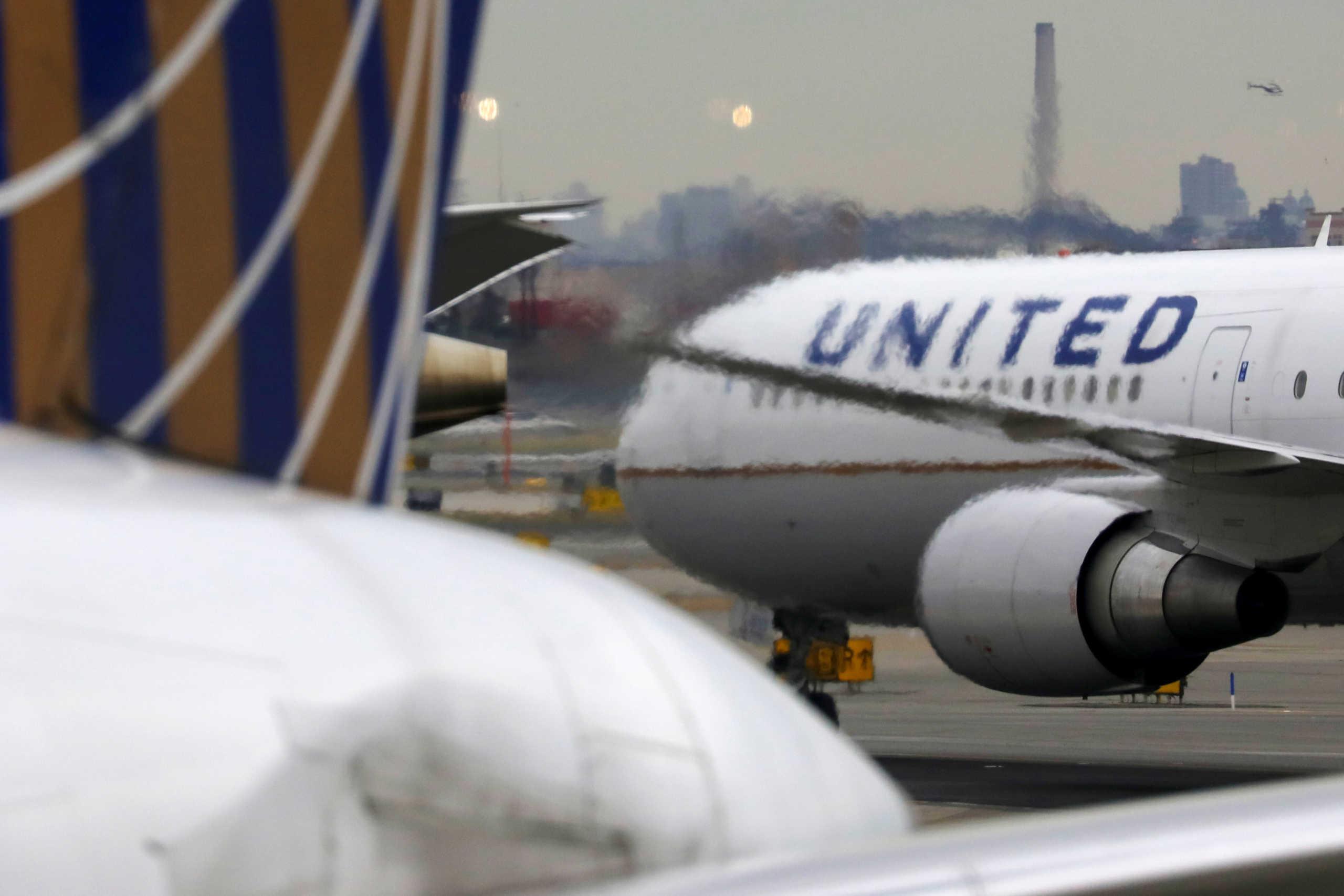 Παράνοια… κορονοϊού! Αναγκαστική προσγείωση αεροπλάνου λόγω… φτερνίσματος!