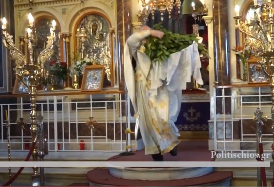 Χίος: Η εντυπωσιακή πρώτη Ανάσταση, η ένταση και οι προσαγωγές! Χαμός με πιστή και ιερέα (Βίντεο)