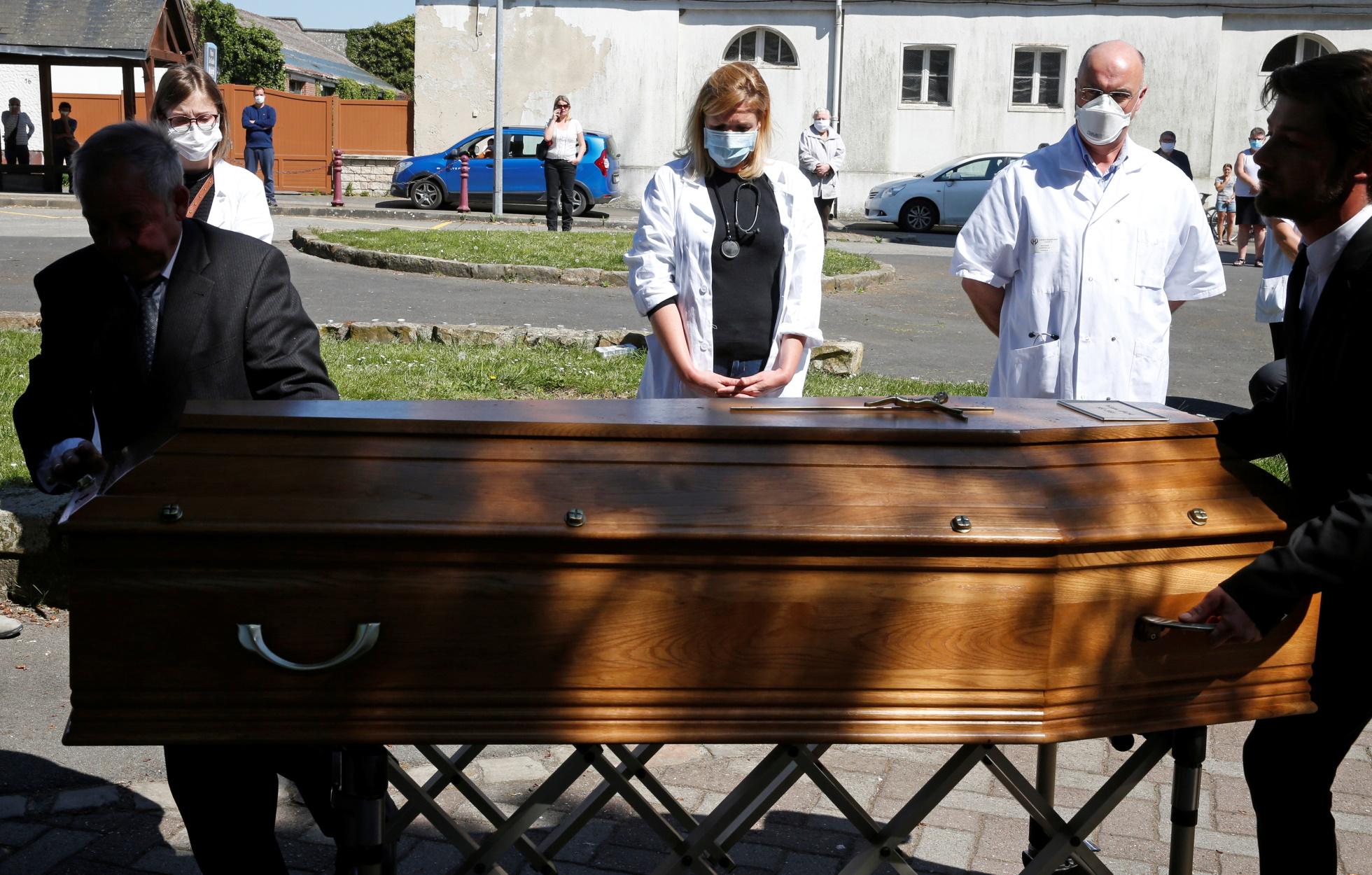 Γαλλία: 516 νέοι θάνατοι σε ένα 24ωρο – Στους 21.856 οι νεκροί του κορονοϊού