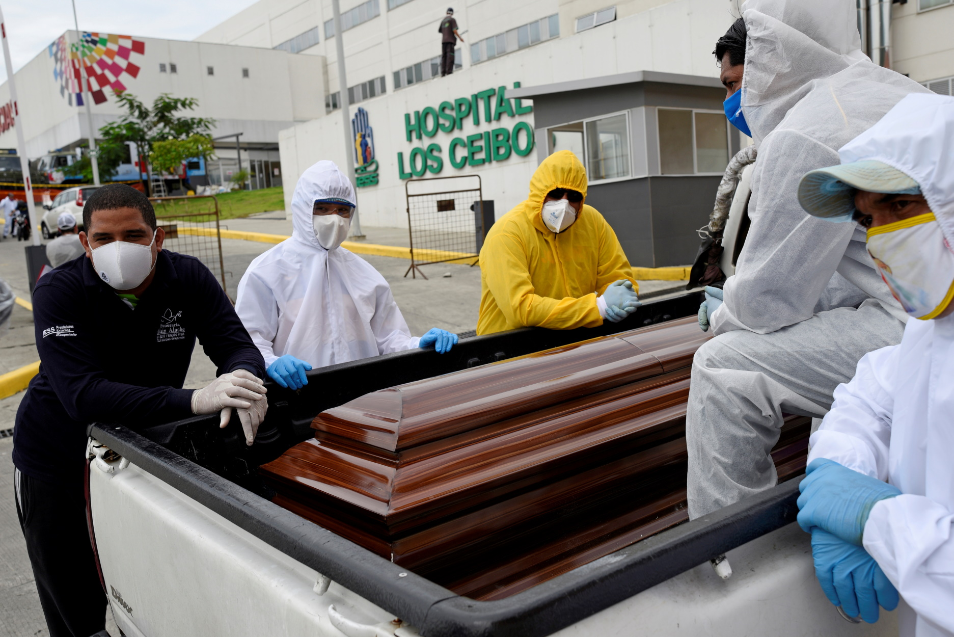 Ξεπέρασαν τις 9.000 οι νεκροί στον Ισημερινό