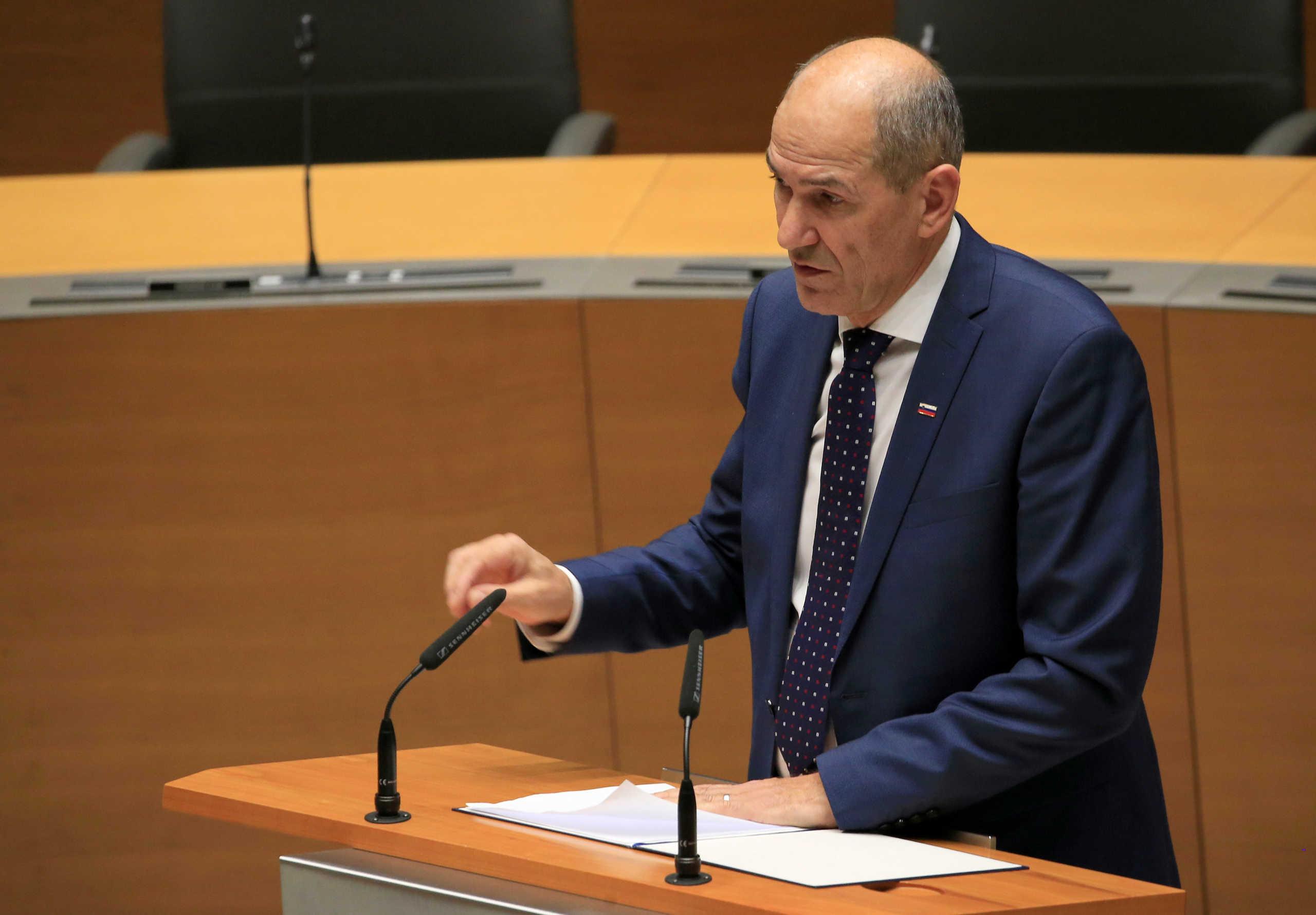 """""""Επίθεση"""" του πρωθυπουργού της Σλοβενίας κατά της UEFA: """"Εγκληματική ανευθυνότητα"""""""