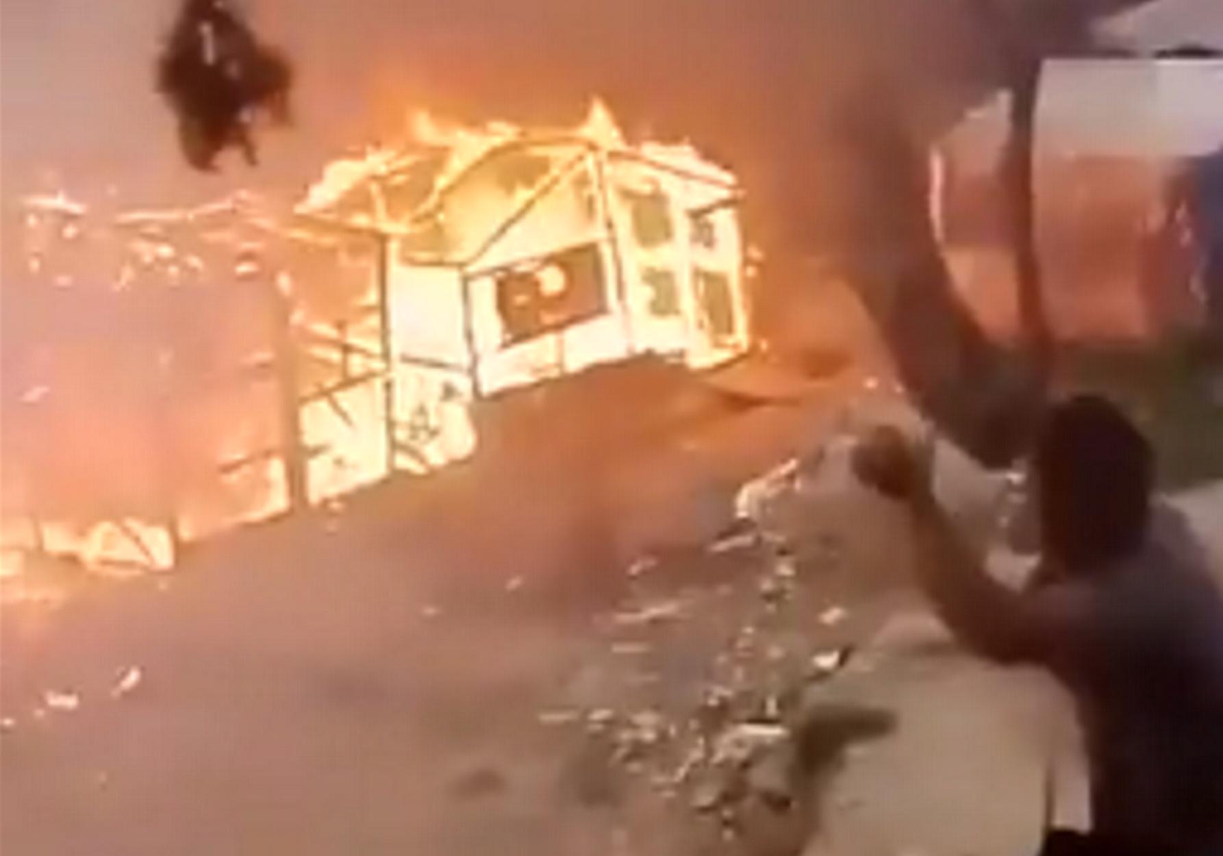 Σάμος: Συλλήψεις για τη φωτιά κοντά στον καταυλισμό! Οργάνωσαν με μηνύματα την καταστροφή