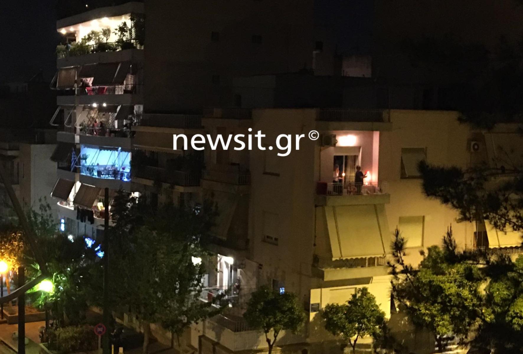 Ανάσταση στα μπαλκόνια – Συγκινητικές στιγμές στις γειτονιές της Αθήνας (βίντεο)