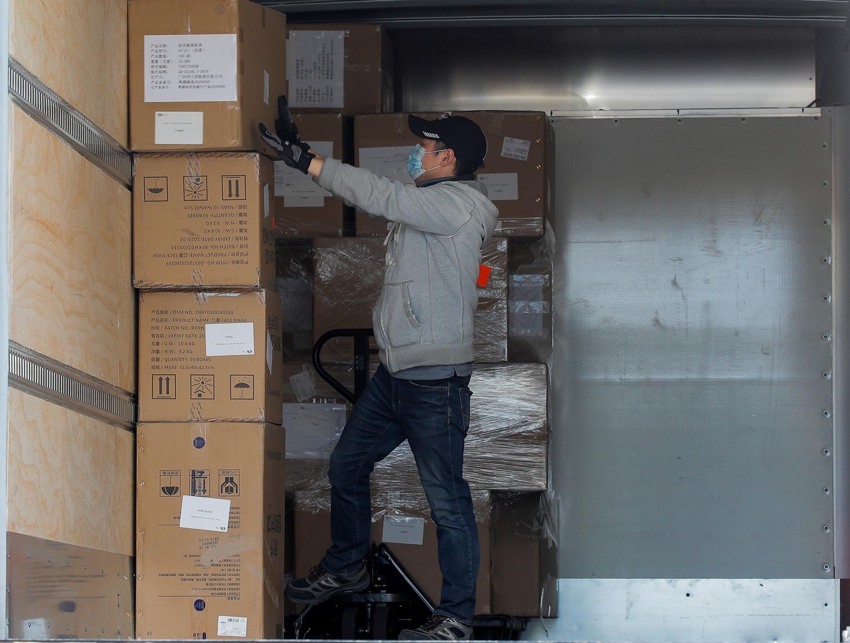 Κορονοϊός: Πάνω από 15 εκατομμύρια Αμερικανοί ζήτησαν επίδομα ανεργίας