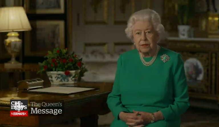 Μένουμε… σπίτι για την Βασίλισσα Ελισάβετ – «Πρωτιά» δεκαετιών