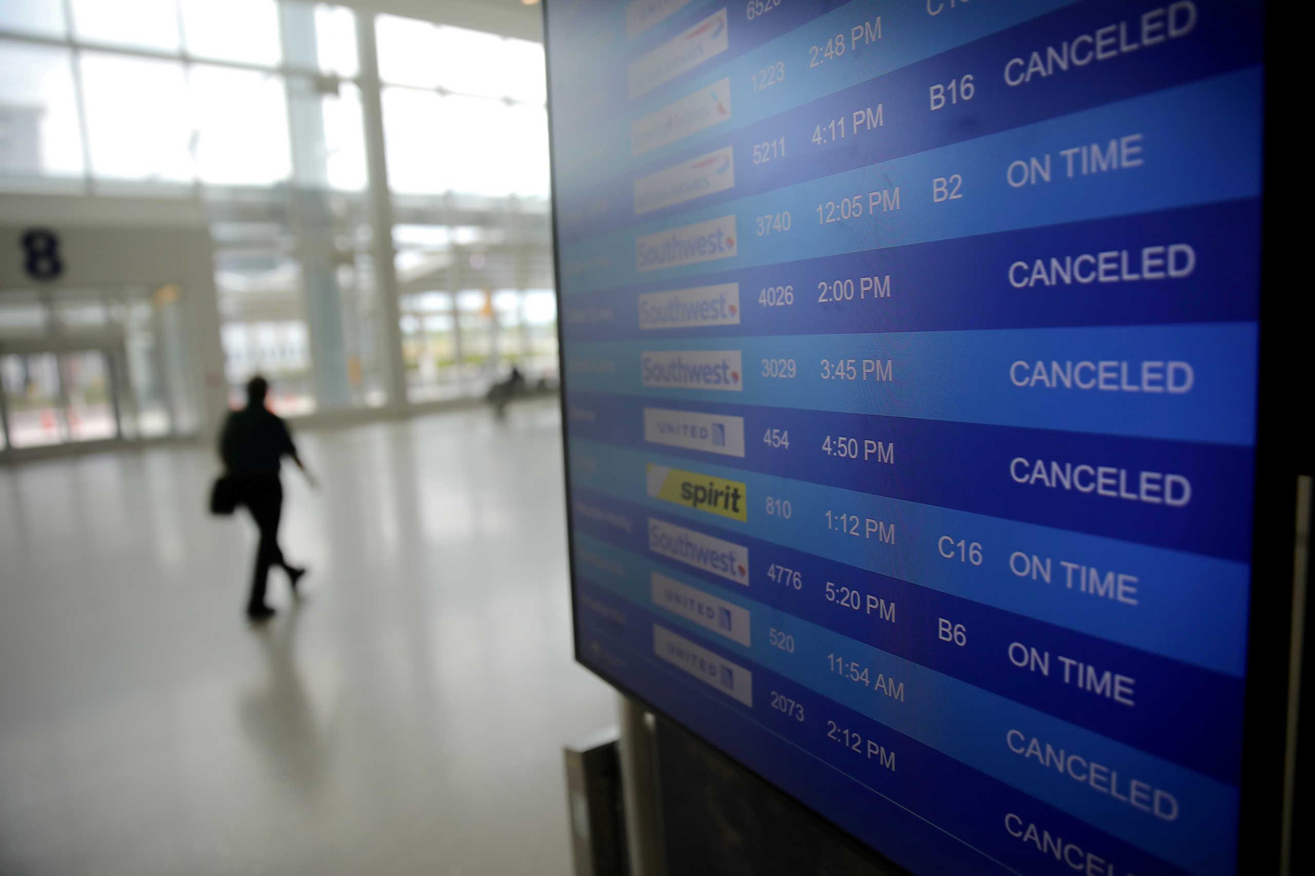ΙΑΤΑ: Ζημιά 314 δισ. δολάρια στις αεροπορικές εταιρείες από την πανδημία