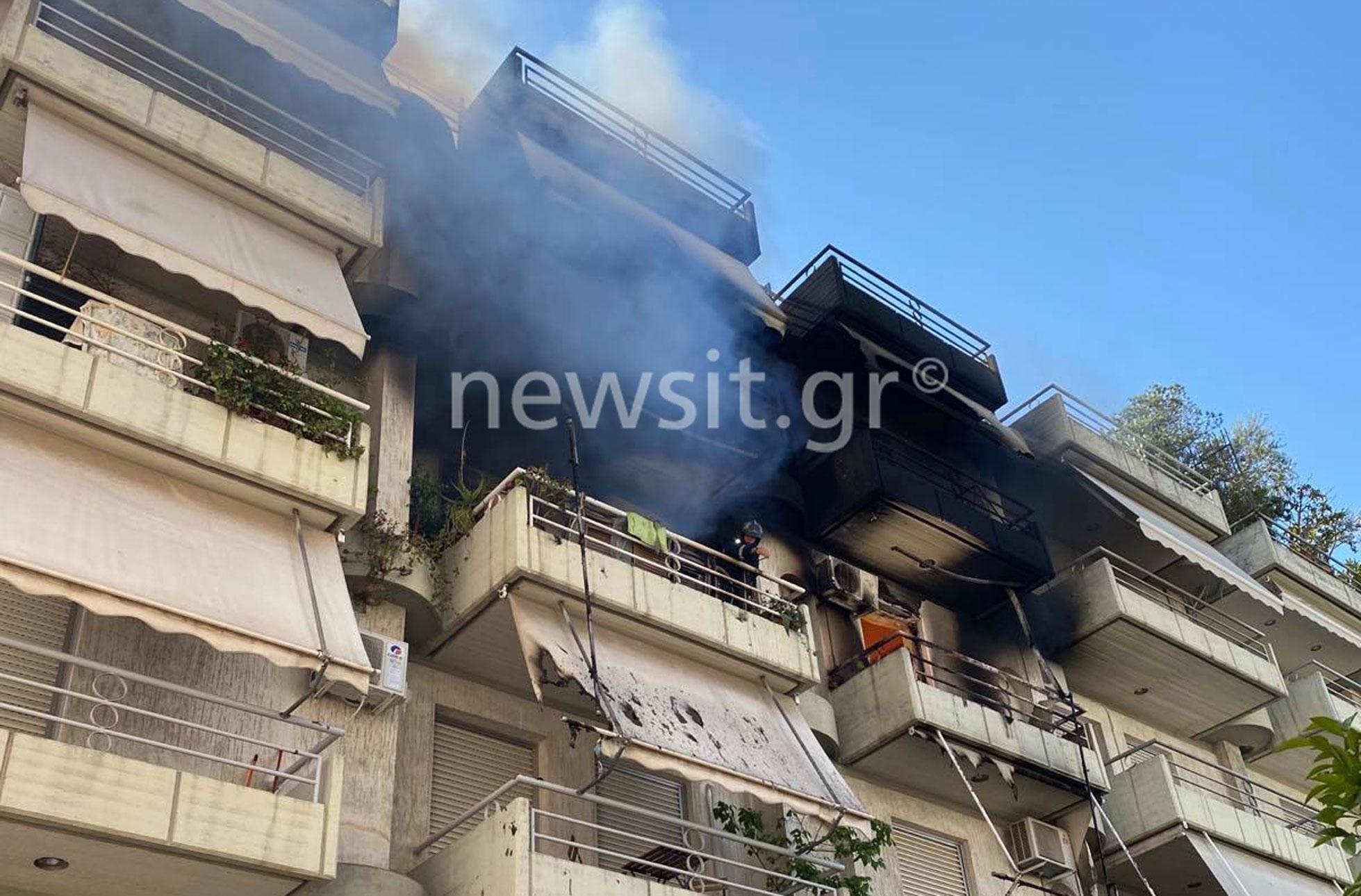 Φωτιά σε διαμέρισμα στο Παγκράτι (pics)