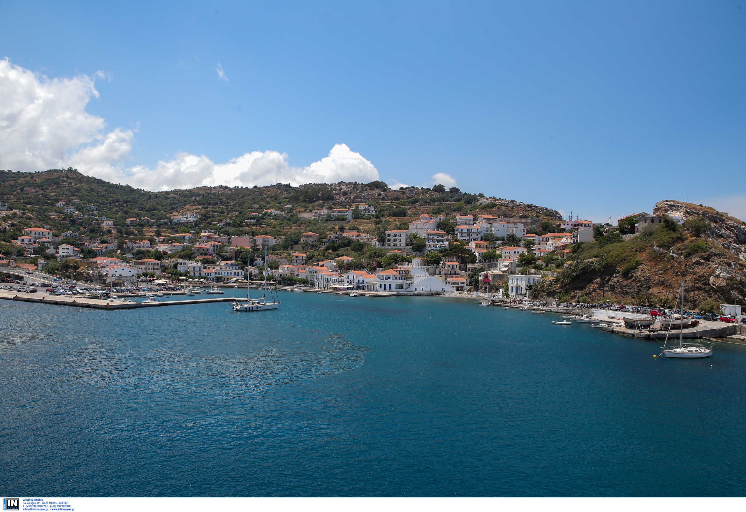 Μοιρασμένοι οι Έλληνες για τις διακοπές! Οι μισοί σκέφτονται να πάνε τον Αύγουστο – Τι δείχνει έρευνα