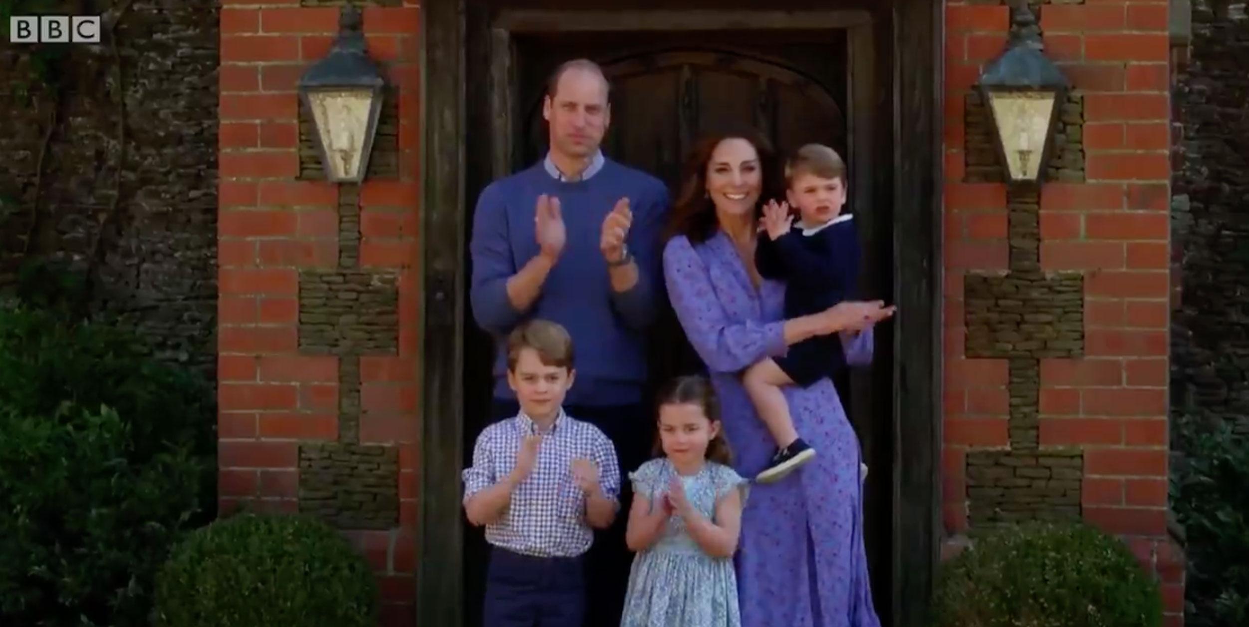 Πρίγκιπας Γουίλιαμ, Κέιτ και… παιδιά χειροκροτούν για τους ήρωες της Υγείας (video)