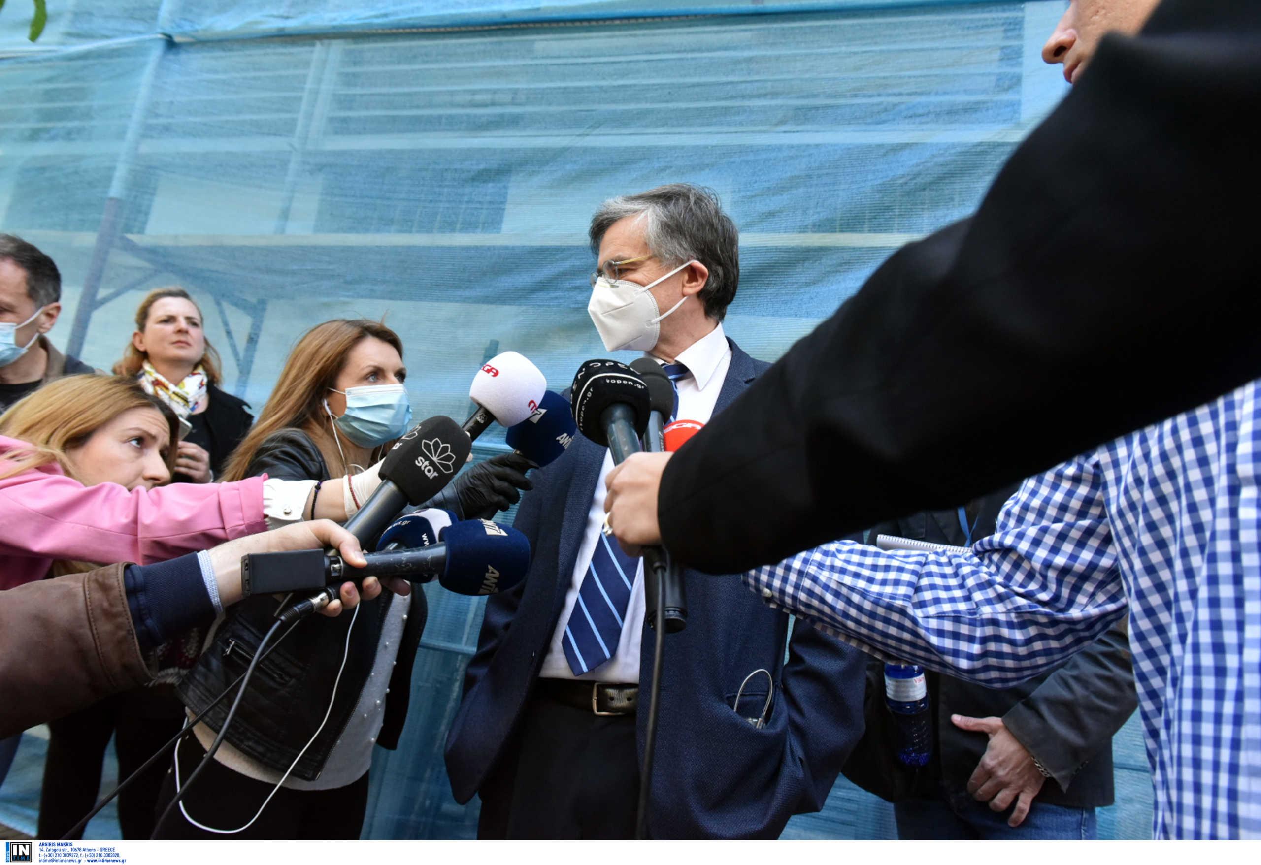 Τσιόδρας από κλινική Ταξιάρχαι: «Από τους 226 οι 37 είναι θετικοί στον κορονοϊό ανάμεσά τους και οι 3 νεκροί»