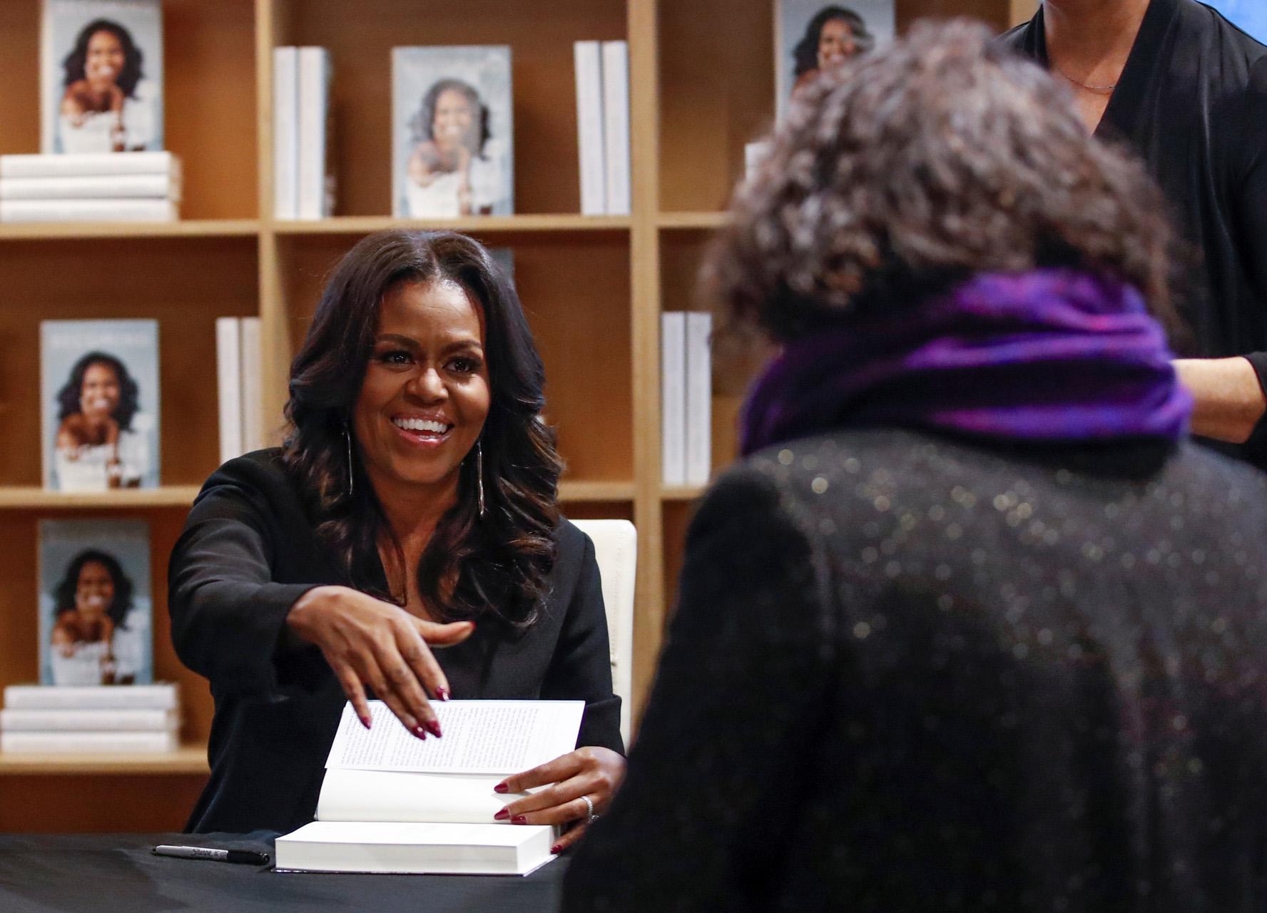 """Στην TV η Μισέλ Ομπάμα – Ντοκιμαντέρ η περιοδεία της για το βιβλίο """"Becoming"""""""