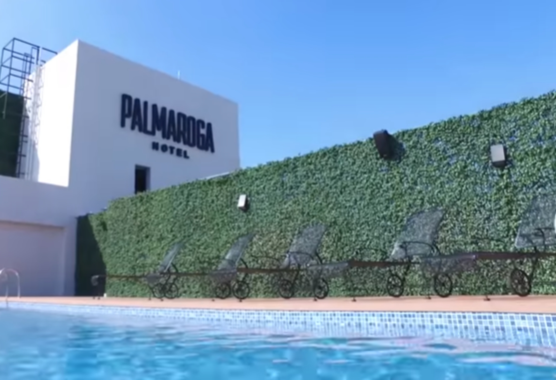"""Ο Ροναλντίνιο μεταφέρθηκε από τη φυλακή σε """"παλάτι"""" (video, pics)"""
