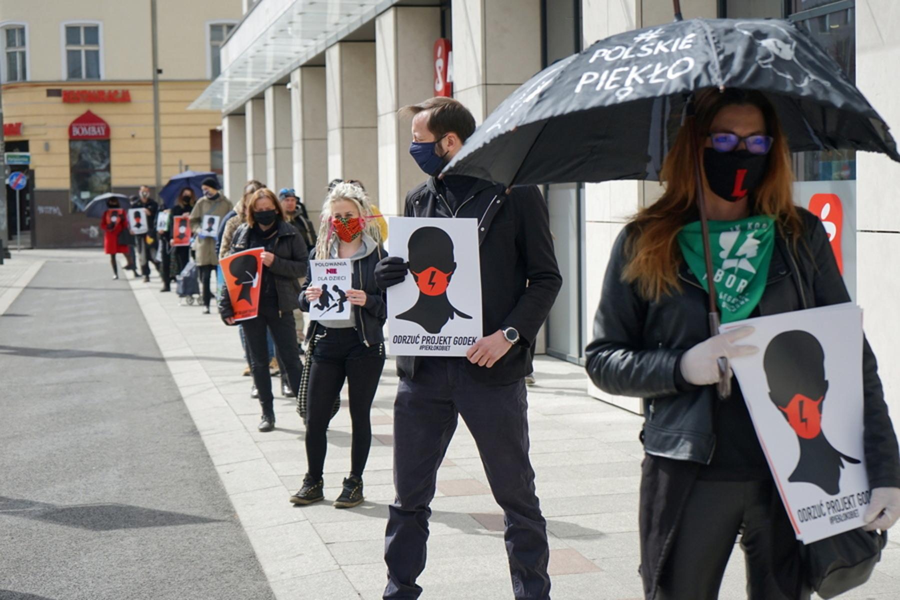 Στο εξωτερικό αναζητούν λύση οι Πολωνές μετά την απαγόρευση των αμβλώσεων
