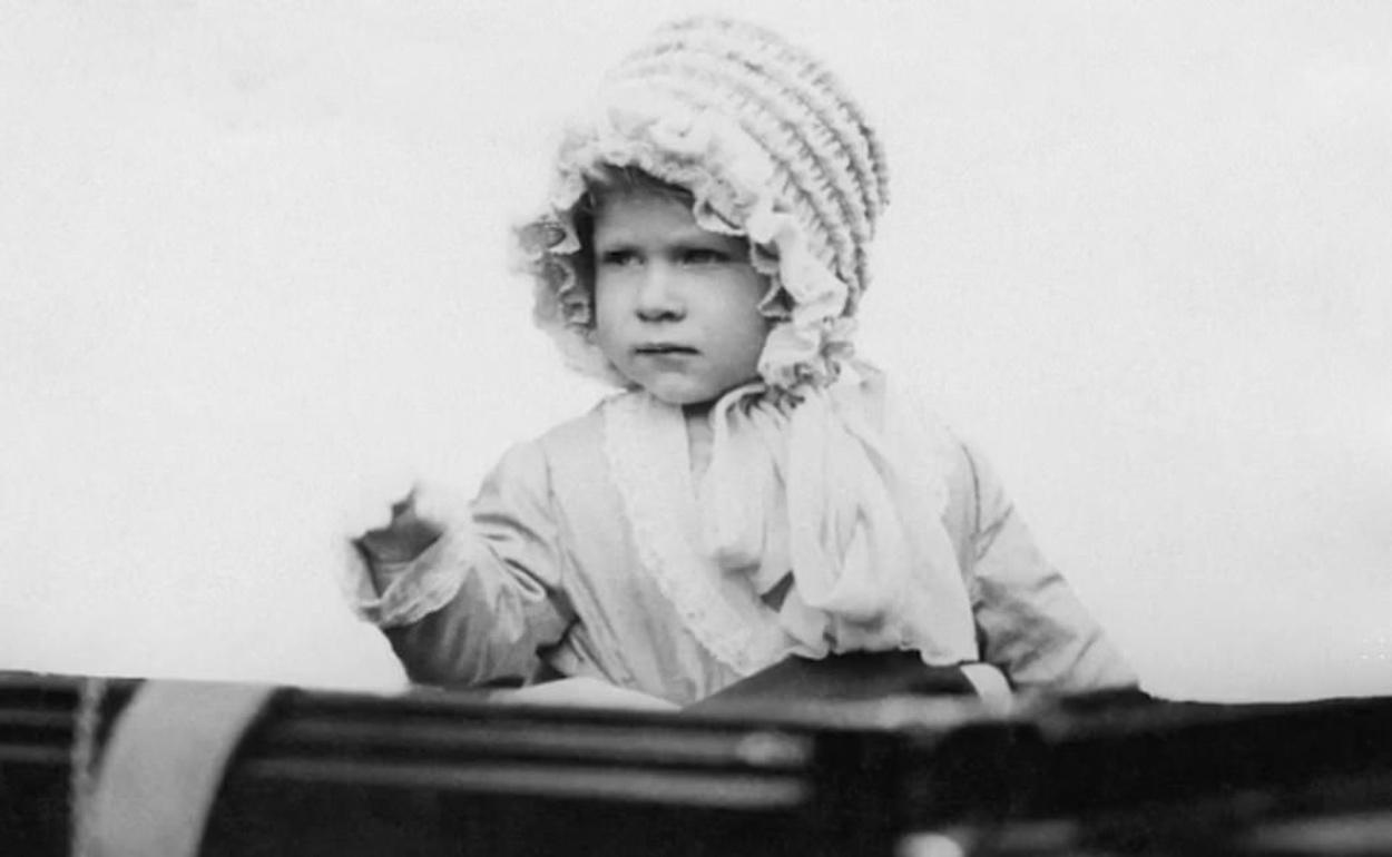Βασίλισσα Ελισάβετ: Το σπάνιο βίντεο με αφορμή τα 94α γενέθλιά της