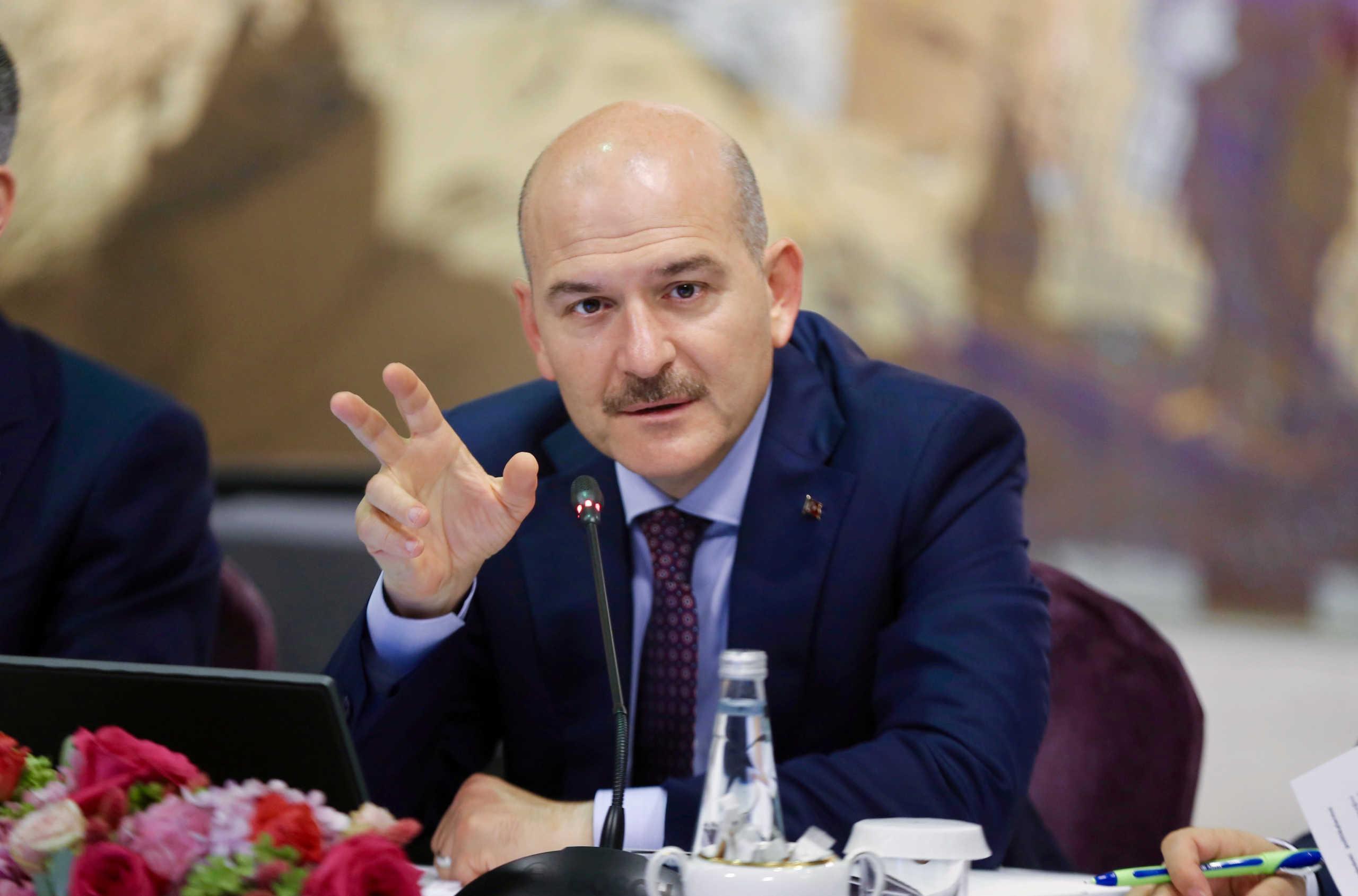 Cumhuriyet: Έρευνα εναντίον Τούρκων πολιτών επειδή αποκάλεσαν τον Σοϊλού…φαλακρό!