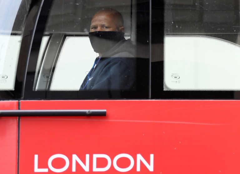 Λονδίνο – κορονοϊός: Διώροφα κόκκινα λεωφορεία μετατρέπονται σε ασθενοφόρα