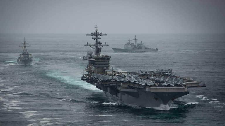 Στενά του Χορμούζ: Πλοίο των ΗΠΑ έριξε προειδοποιητικά πυρά σε ιρακινά σκάφη