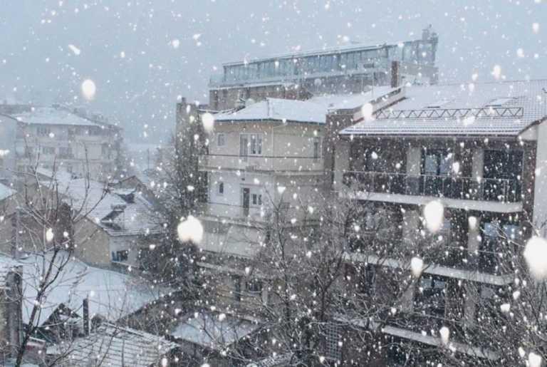 Καιρός σήμερα: Ο χειμώνας στα καλύτερά του – Λευκό πέπλο καλύπτει την Ελλάδα